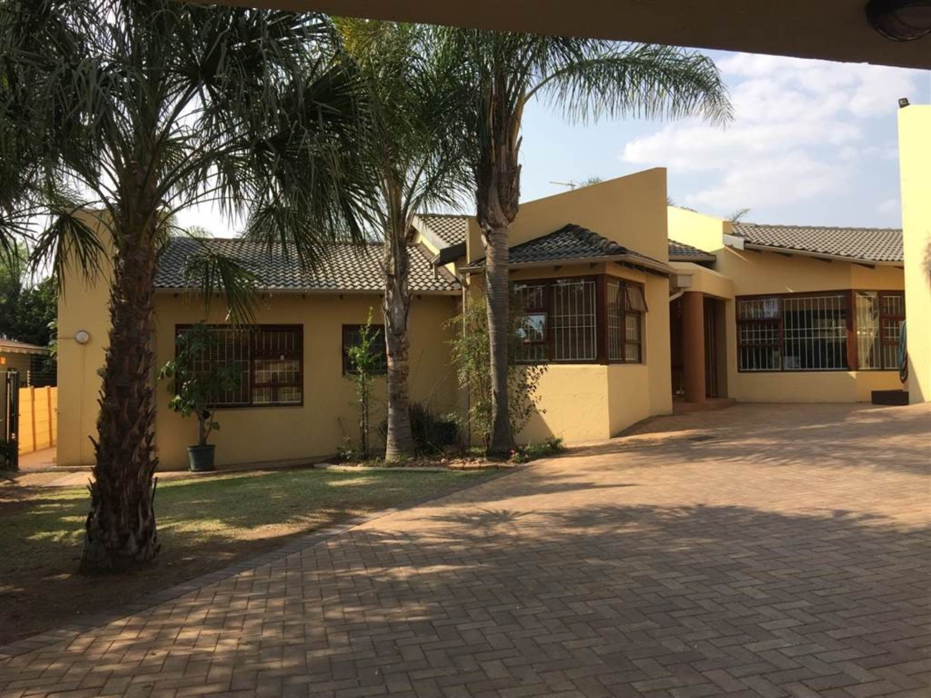 4 BedroomHouse To Rent In Marais Steyn Park
