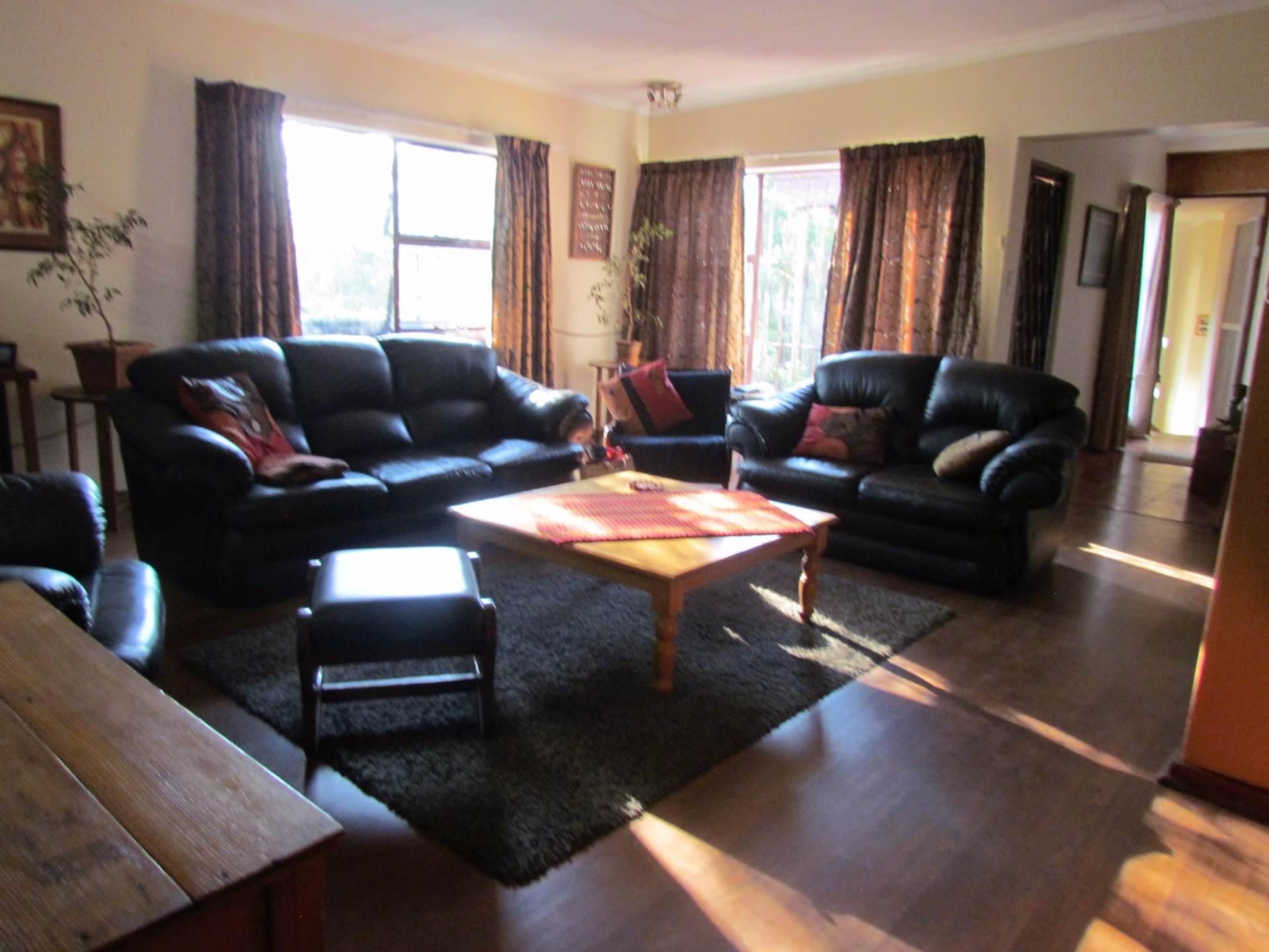 Elarduspark property for sale. Ref No: 13534504. Picture no 7