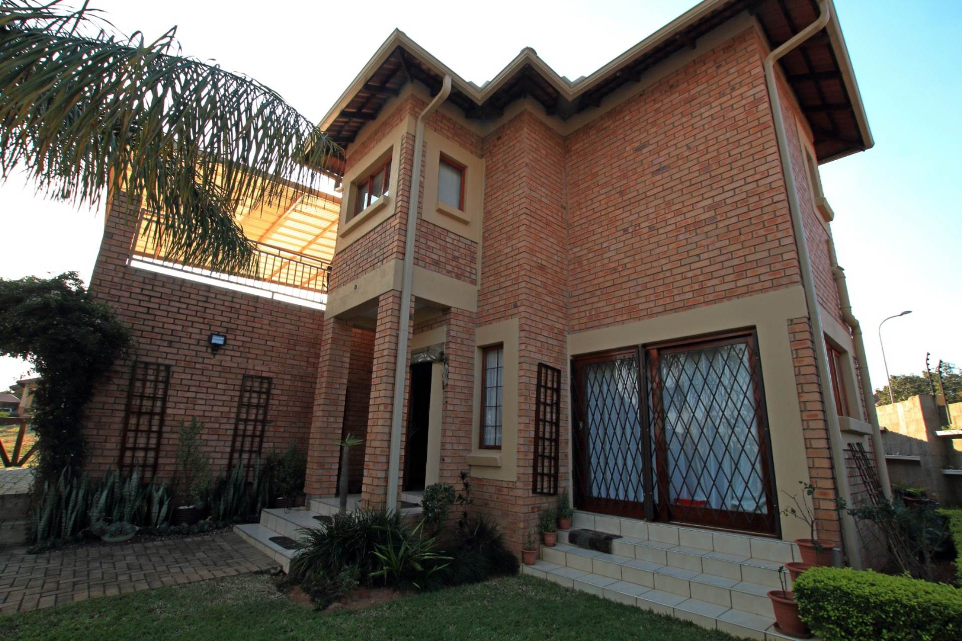 3 BedroomHouse For Sale In White River & Ext