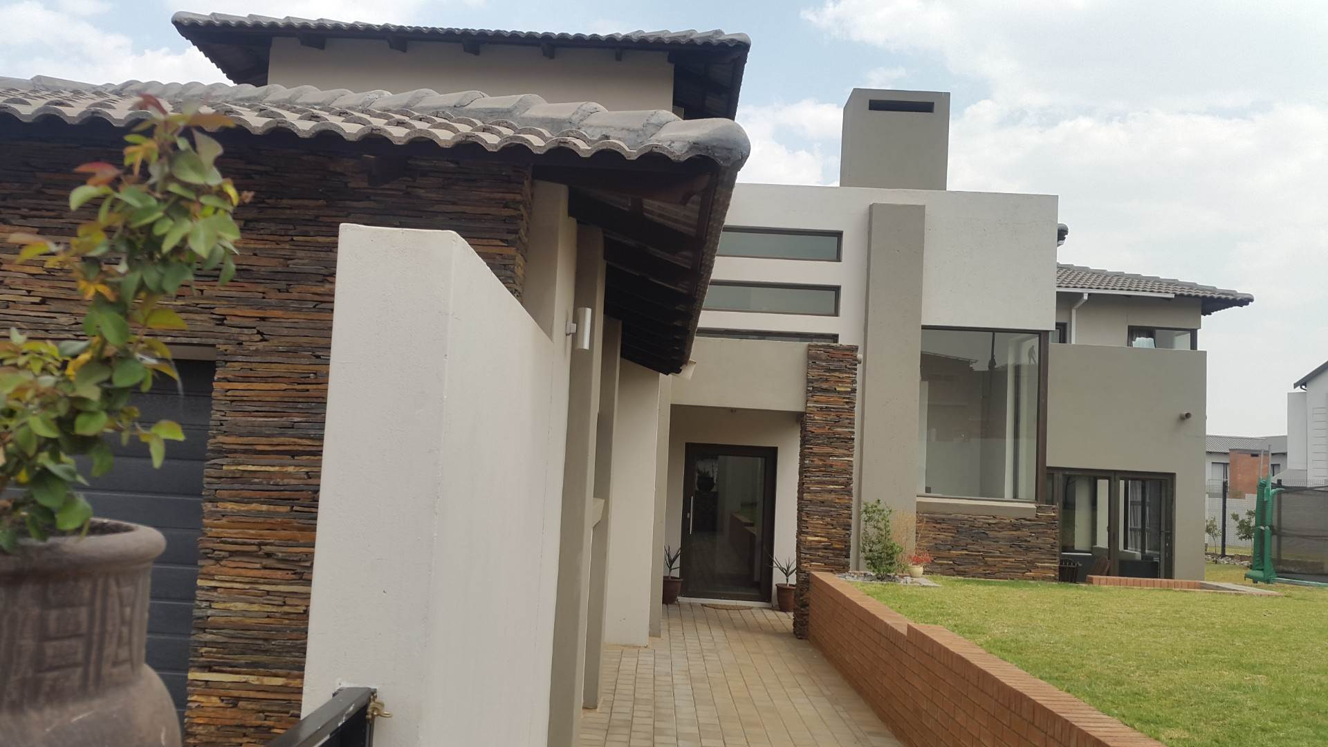 Property and Houses for sale in Midstream Ridge, House, 4 Bedrooms - ZAR 4,680,000