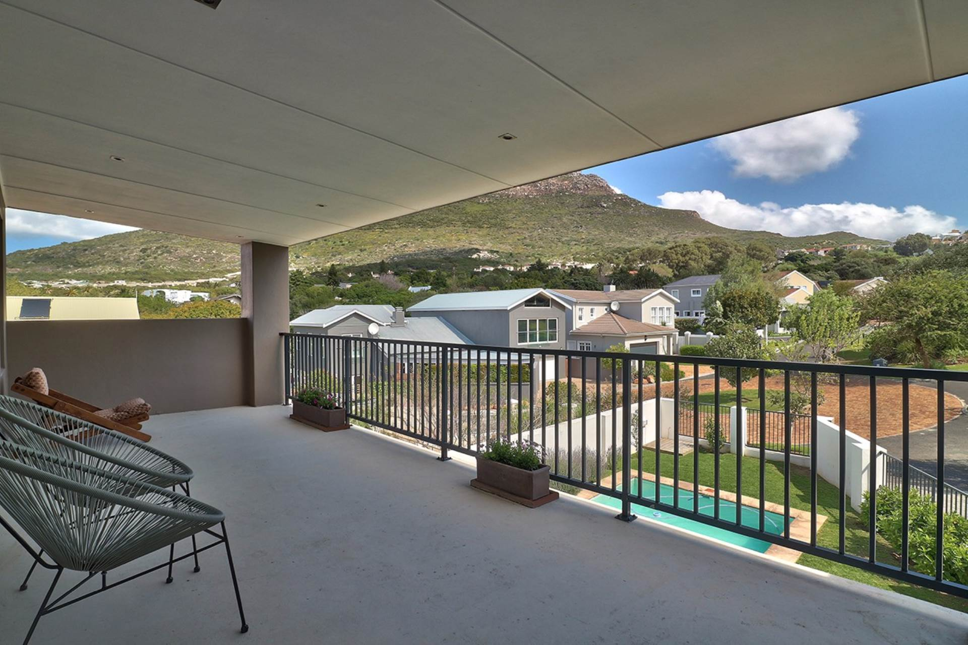 Hout Bay property for sale. Ref No: 13535608. Picture no 21