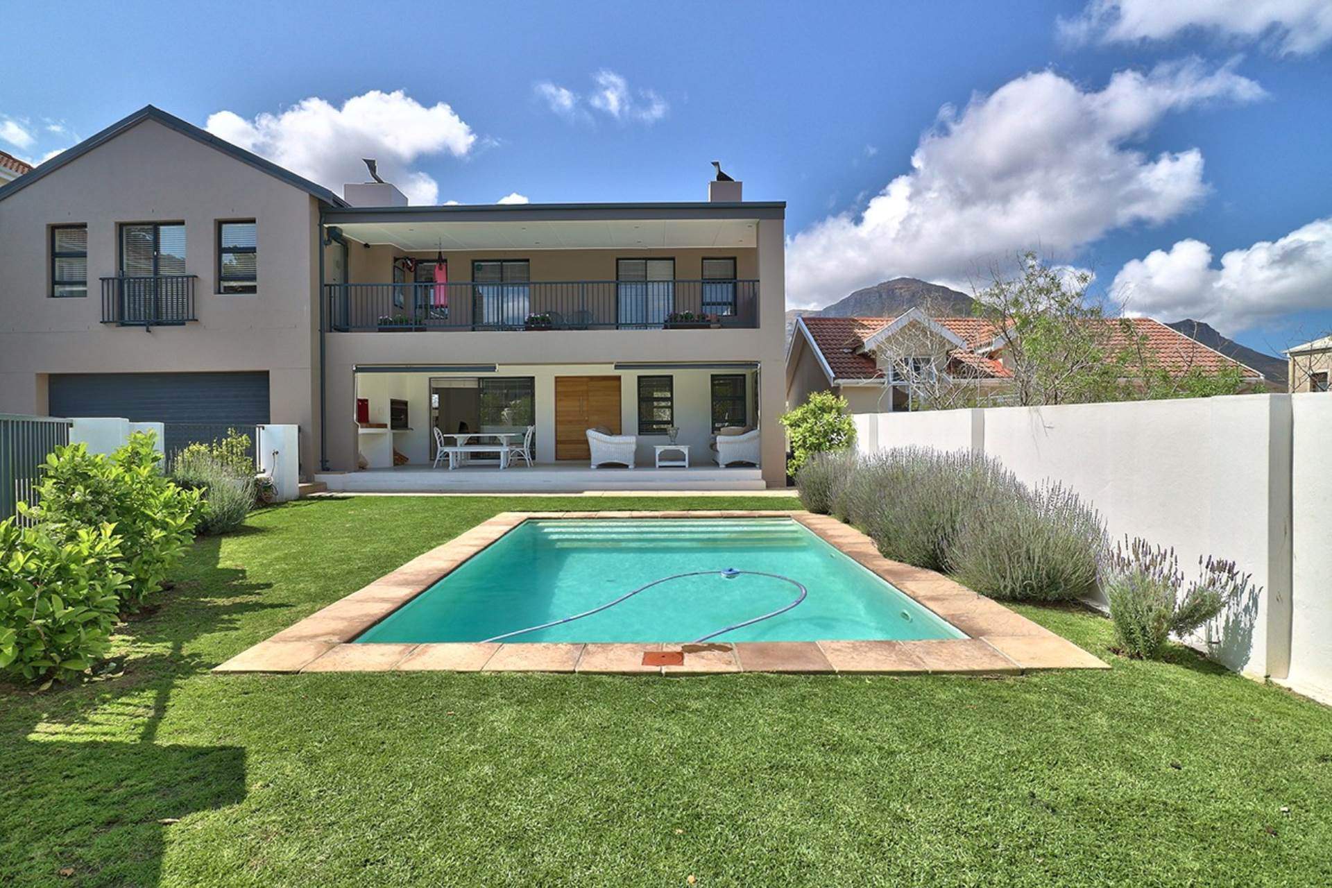 6 BedroomHouse For Sale In Hout Bay