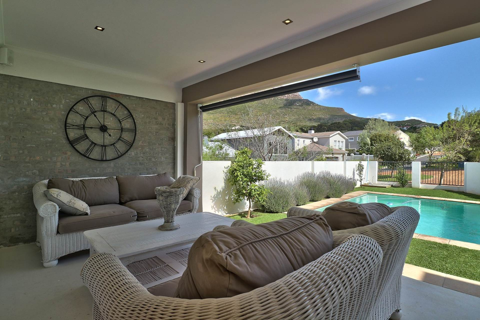 Hout Bay property for sale. Ref No: 13535608. Picture no 12