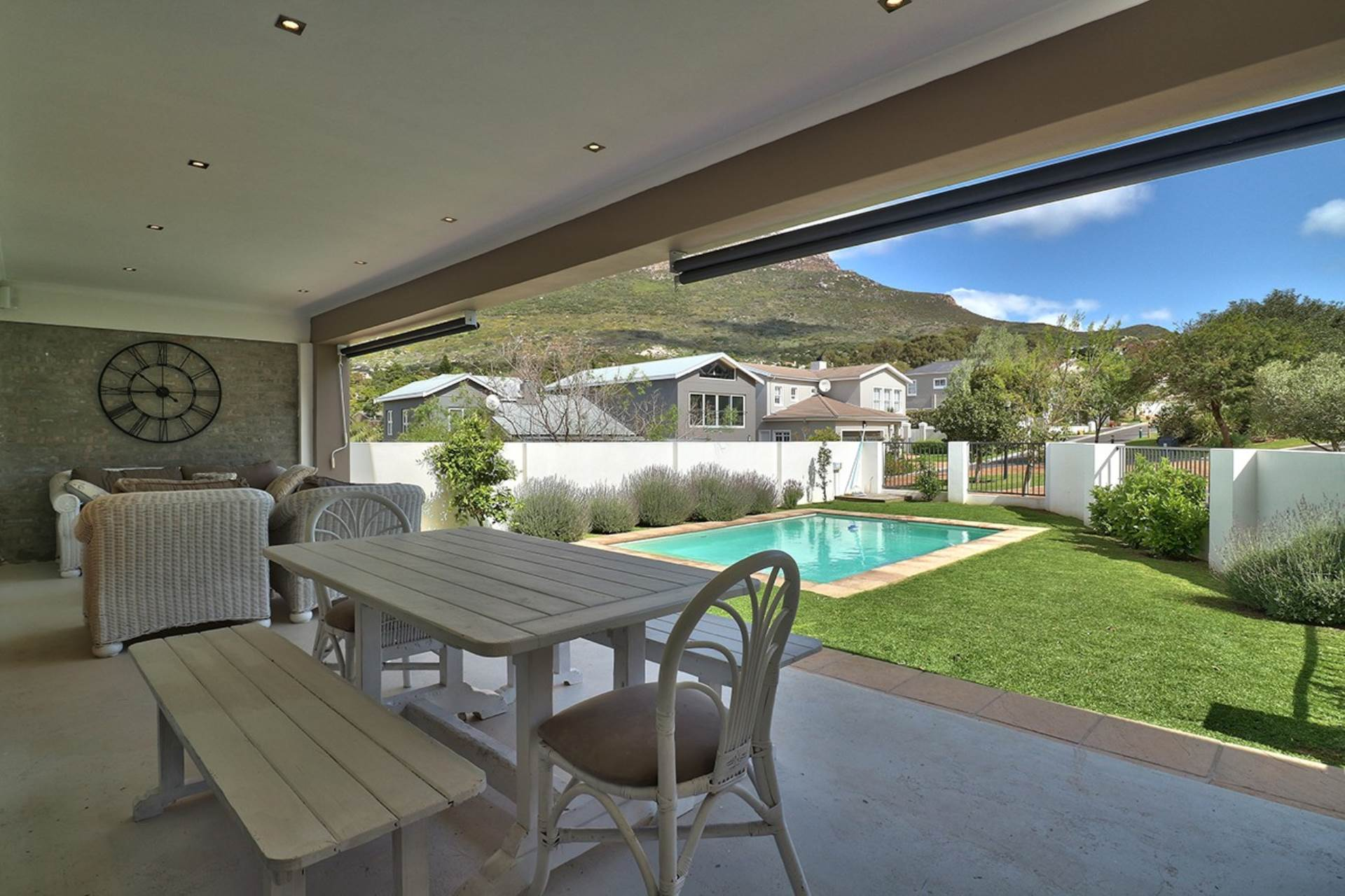 Hout Bay property for sale. Ref No: 13535608. Picture no 4