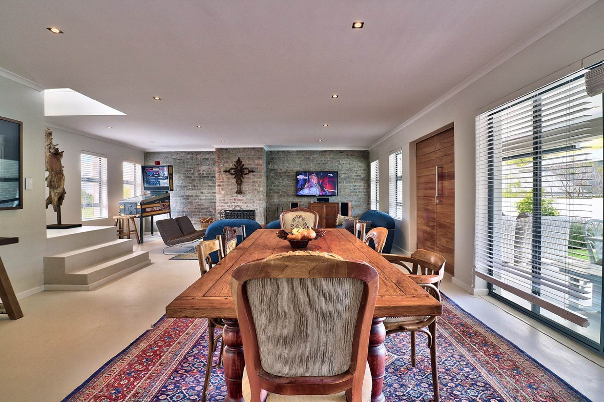 Hout Bay property for sale. Ref No: 13535608. Picture no 2