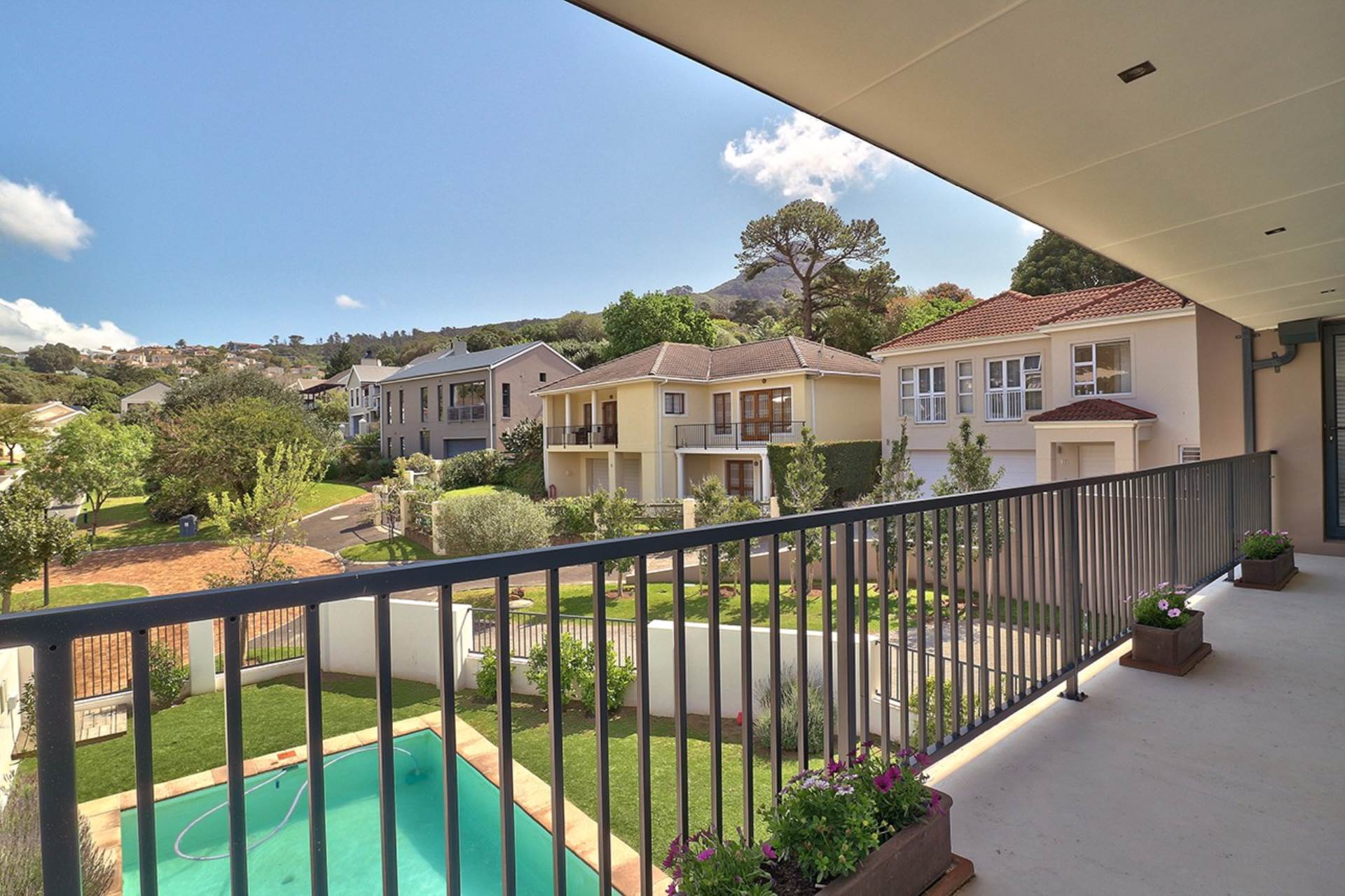 Hout Bay property for sale. Ref No: 13535608. Picture no 22