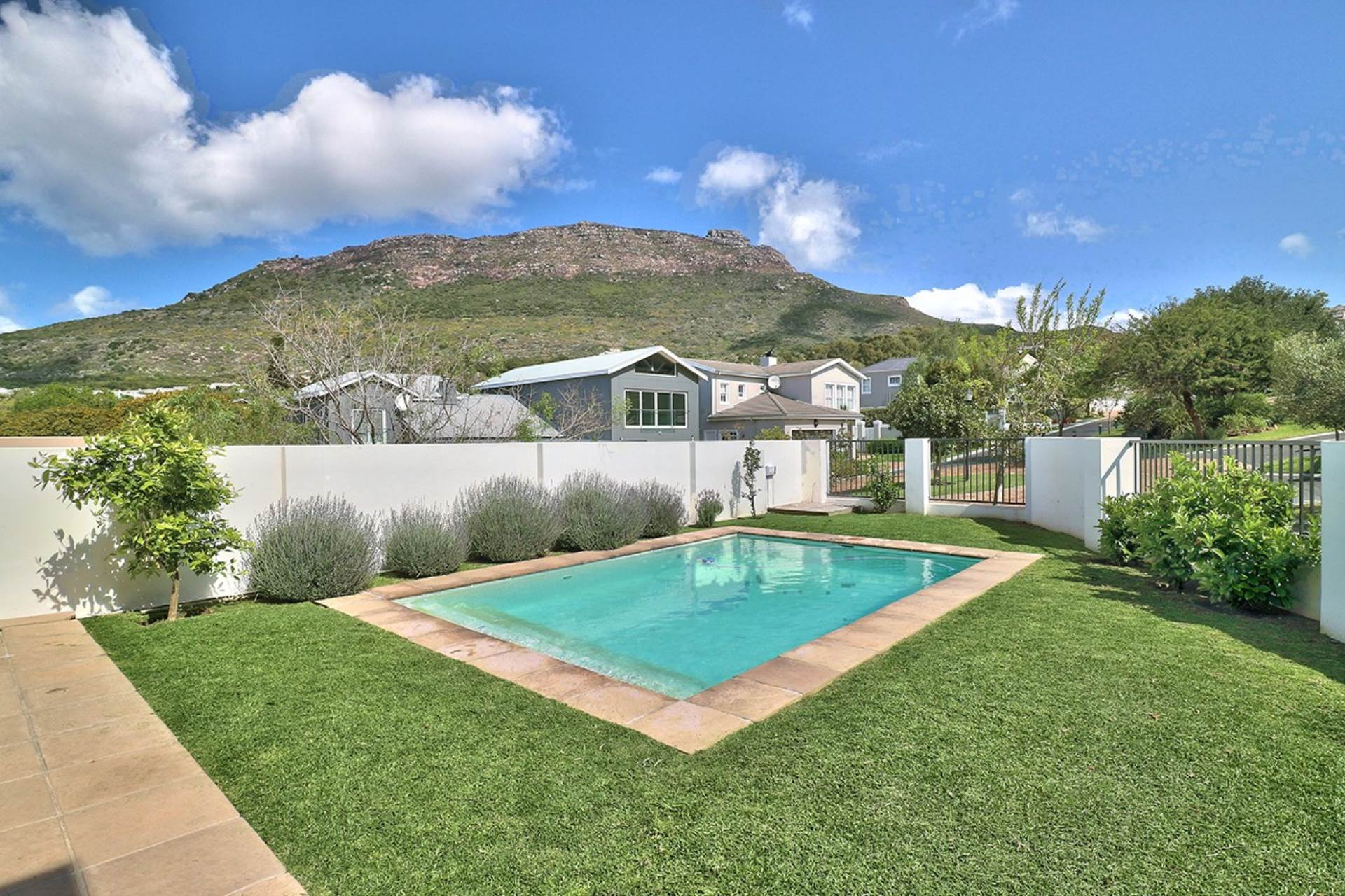 Hout Bay property for sale. Ref No: 13535608. Picture no 5