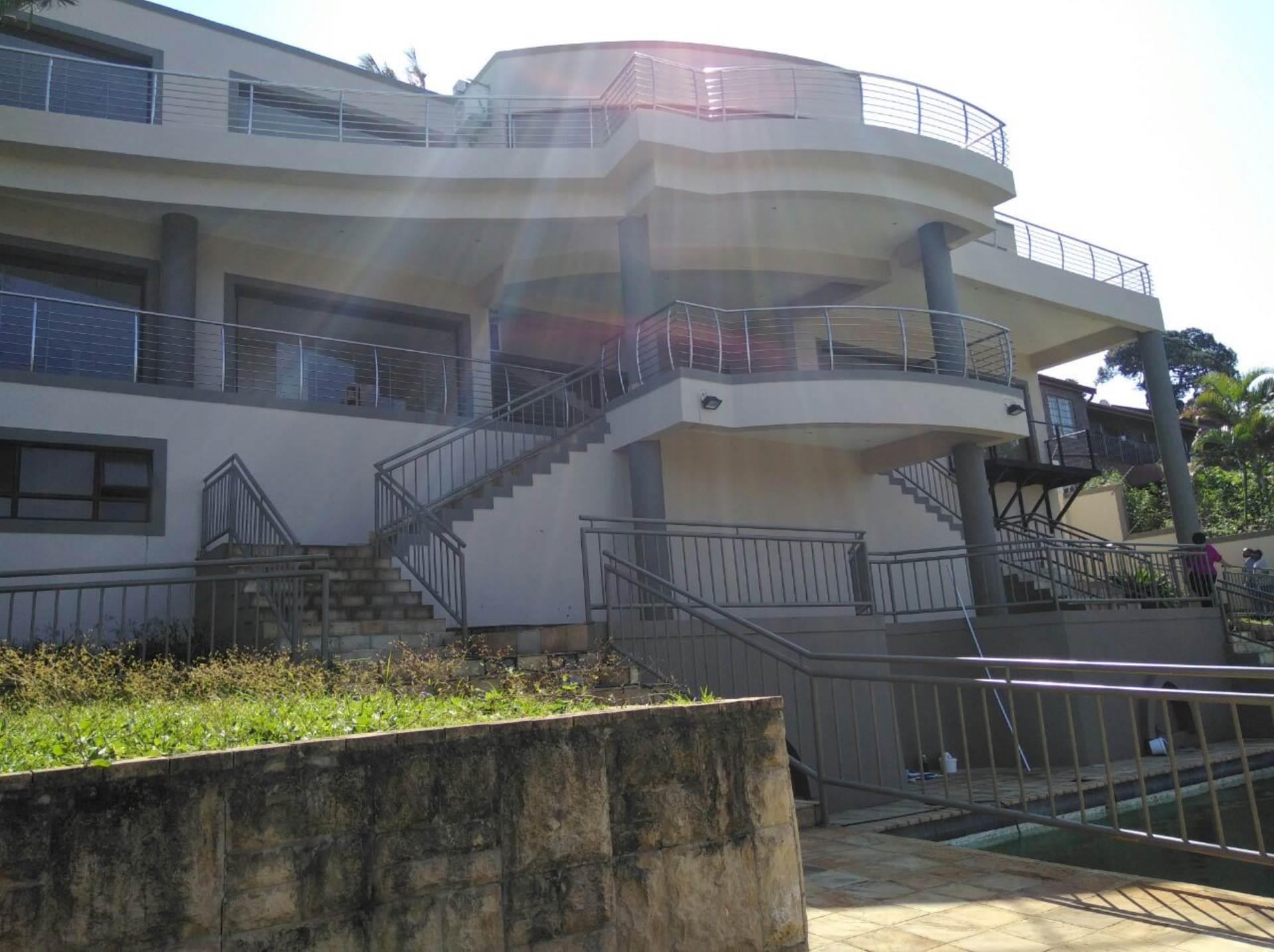 7 BedroomHouse For Sale In La Lucia