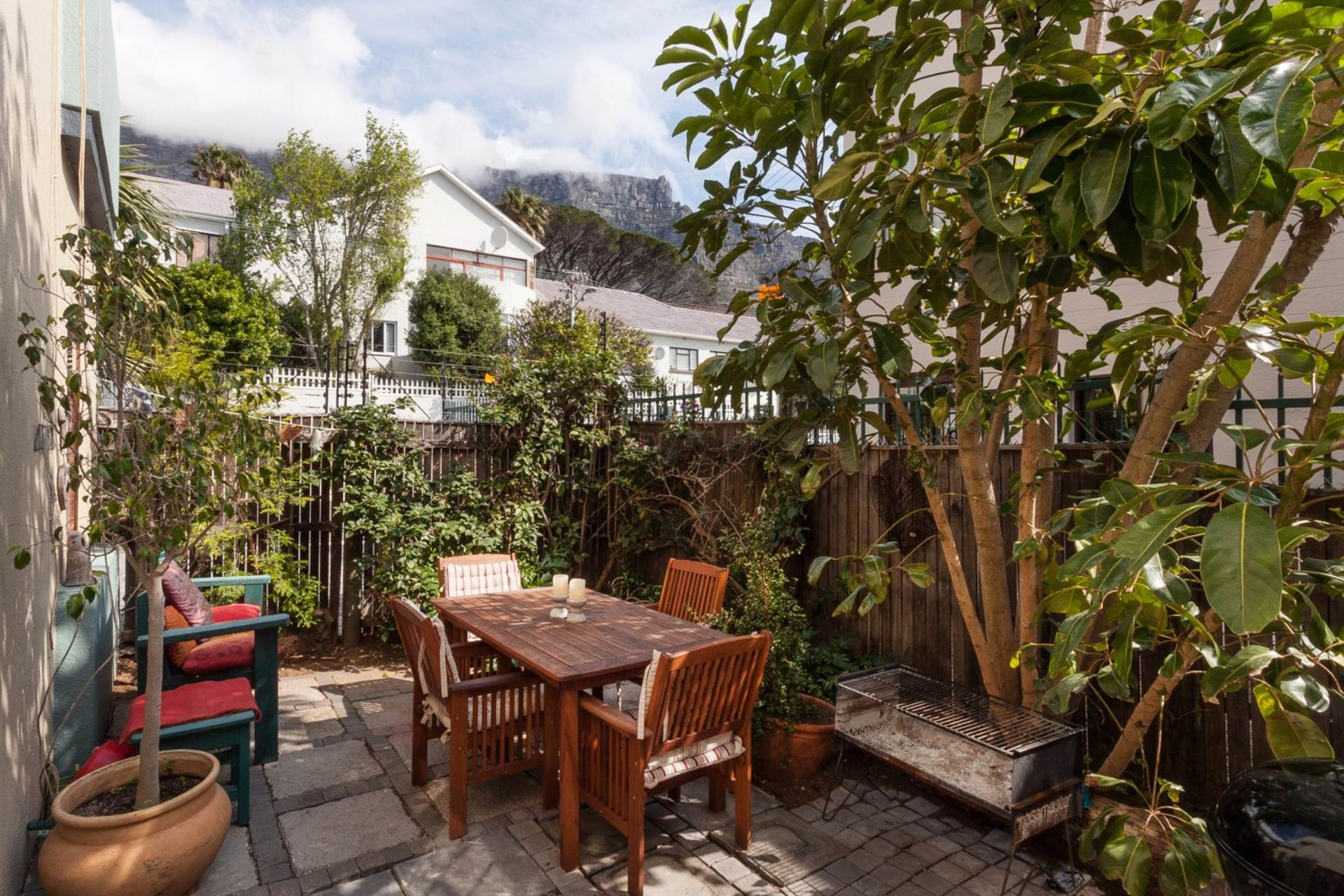 2 BedroomApartment For Sale In Vredehoek