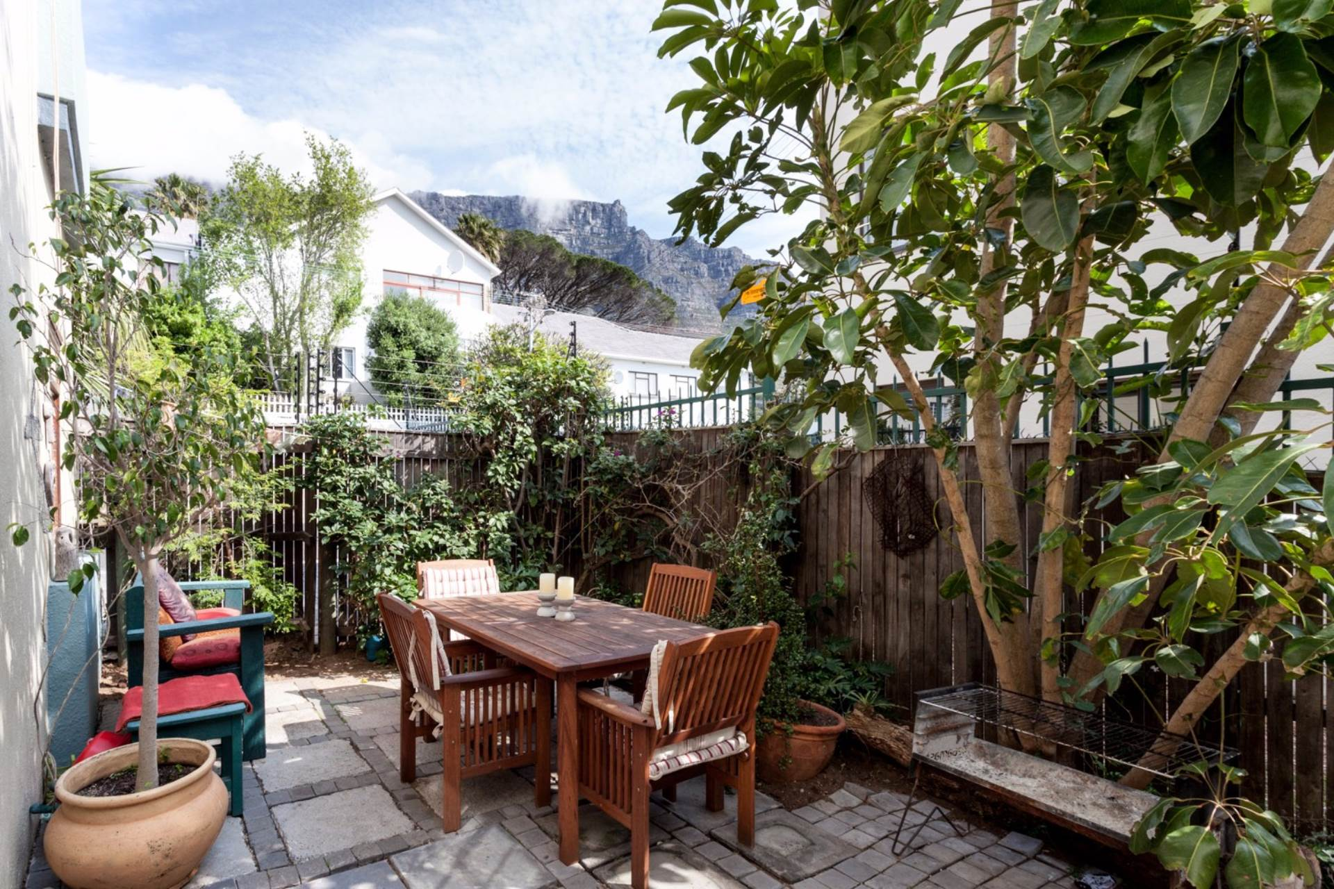 Vredehoek property for sale. Ref No: 13534665. Picture no 10