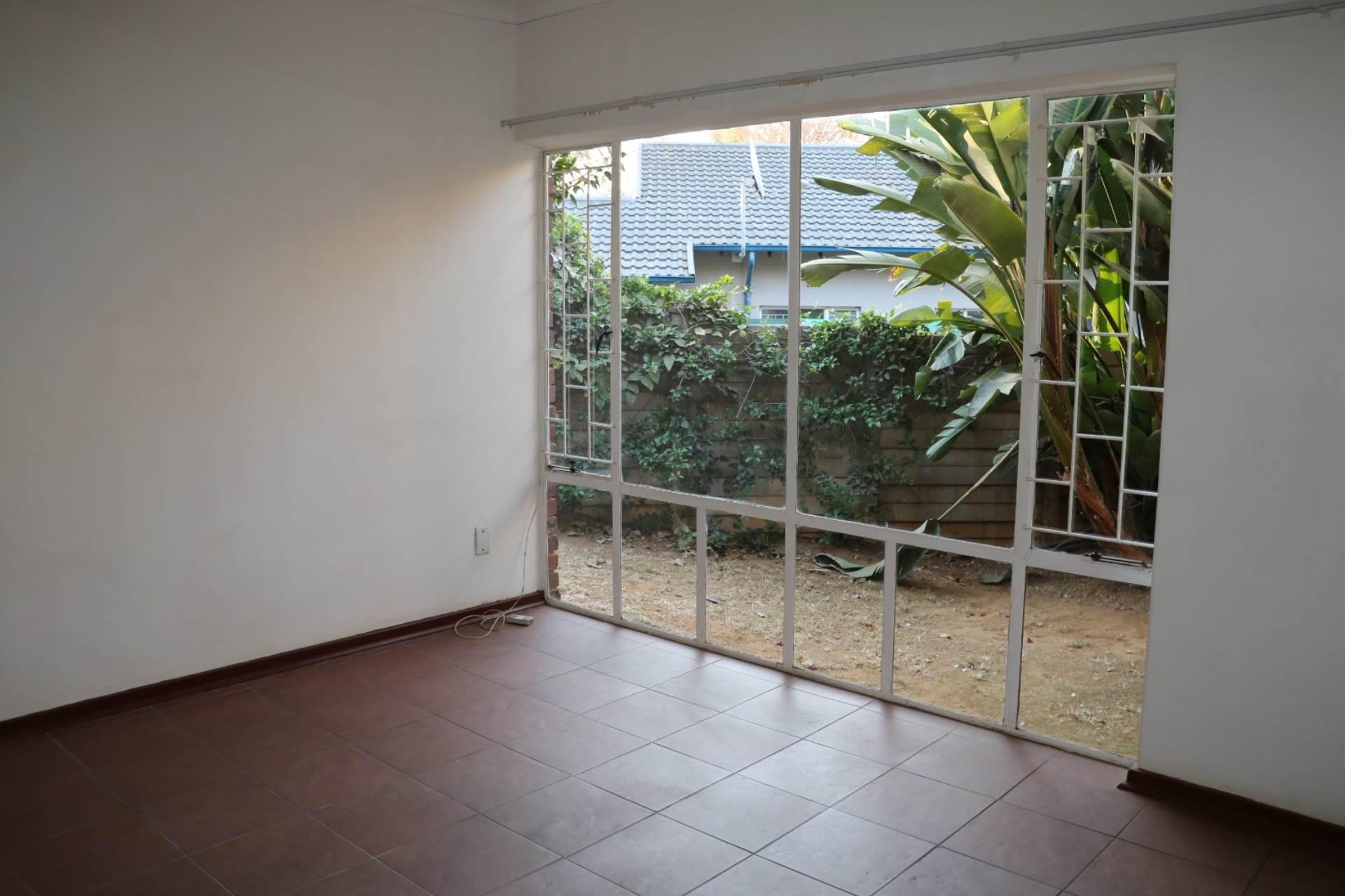 Constantia Park property for sale. Ref No: 13534053. Picture no 16