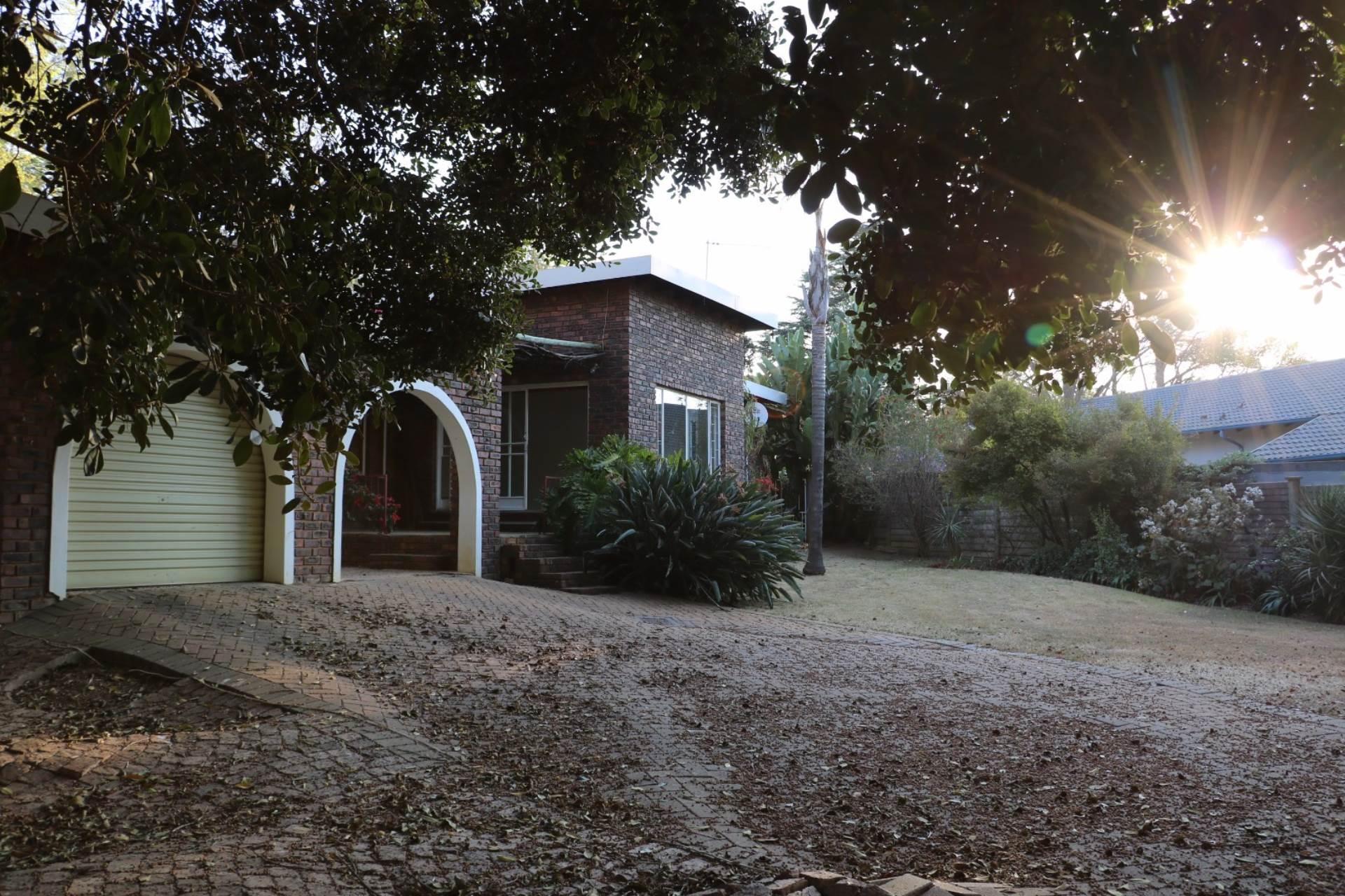 Constantia Park property for sale. Ref No: 13534053. Picture no 19