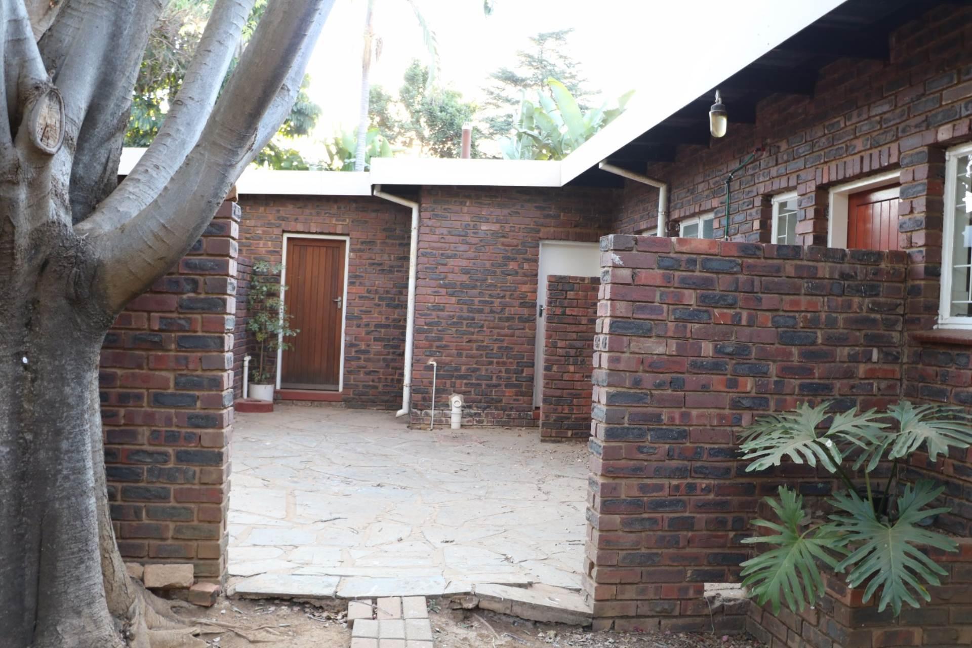 Constantia Park property for sale. Ref No: 13534053. Picture no 18