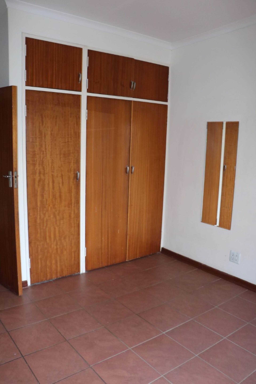 Constantia Park property for sale. Ref No: 13534053. Picture no 12