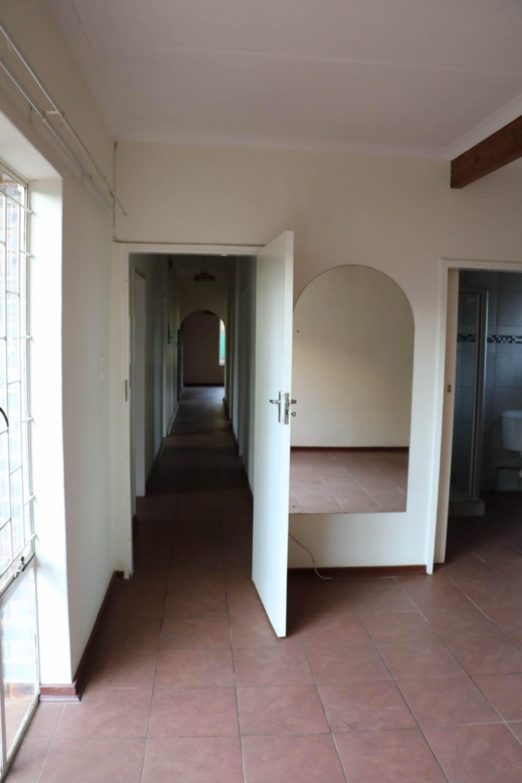 Constantia Park property for sale. Ref No: 13534053. Picture no 8