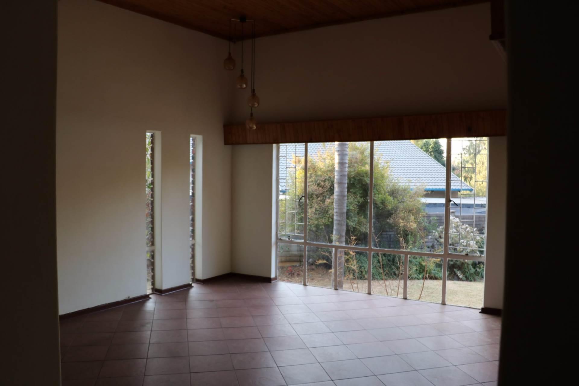 Constantia Park property for sale. Ref No: 13534053. Picture no 7