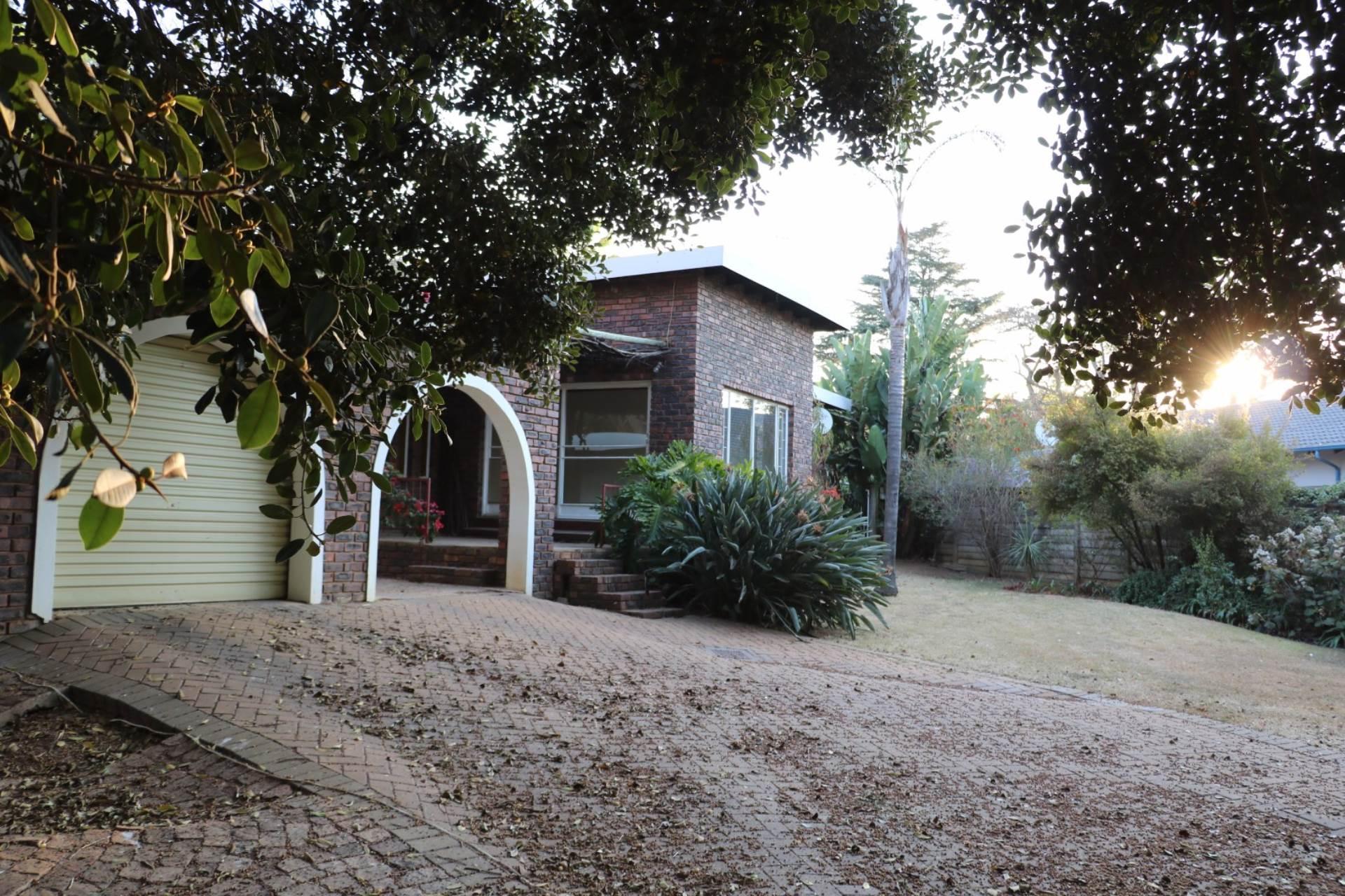 Constantia Park property for sale. Ref No: 13534053. Picture no 2