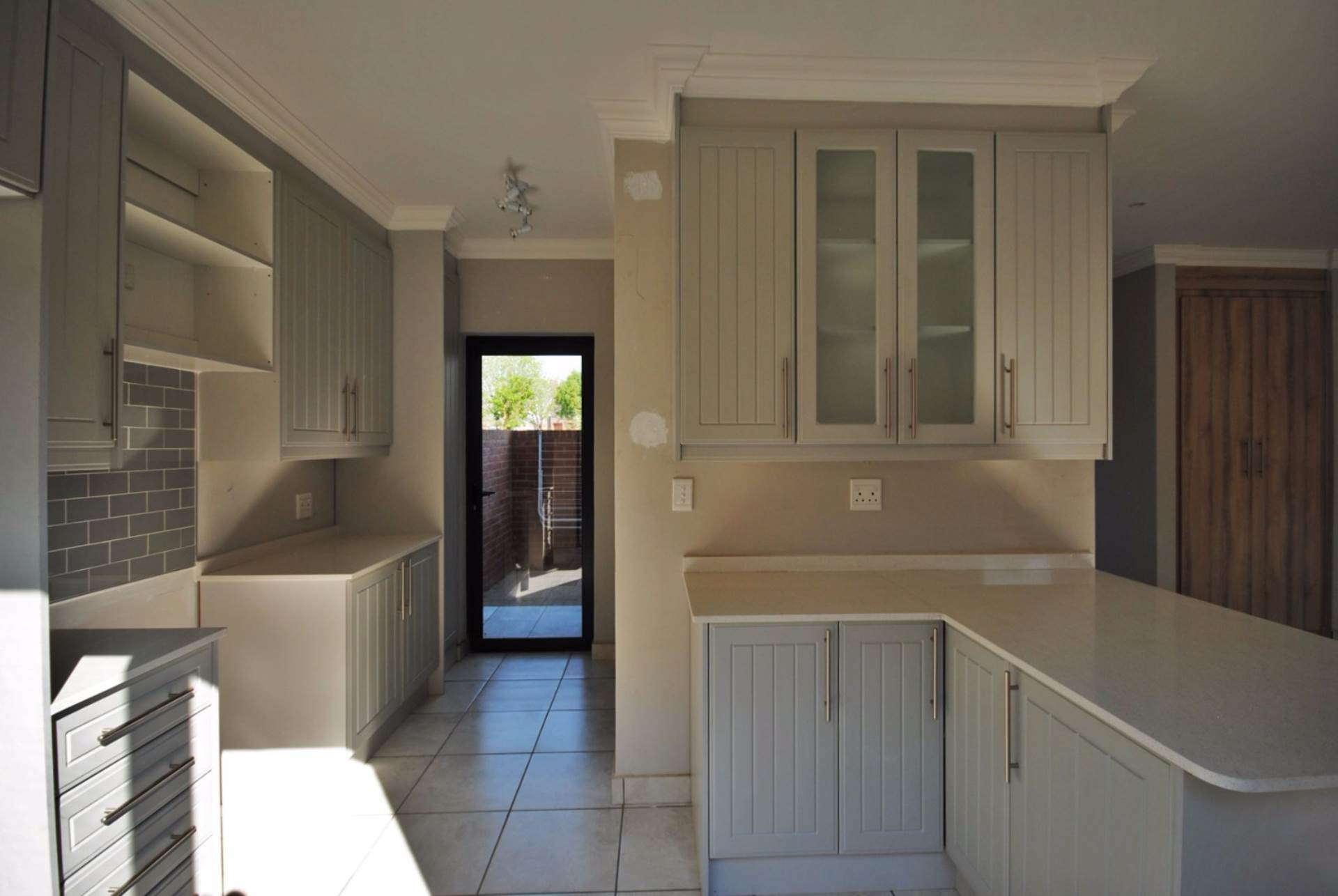 3 BedroomTownhouse To Rent In Heritage Hill