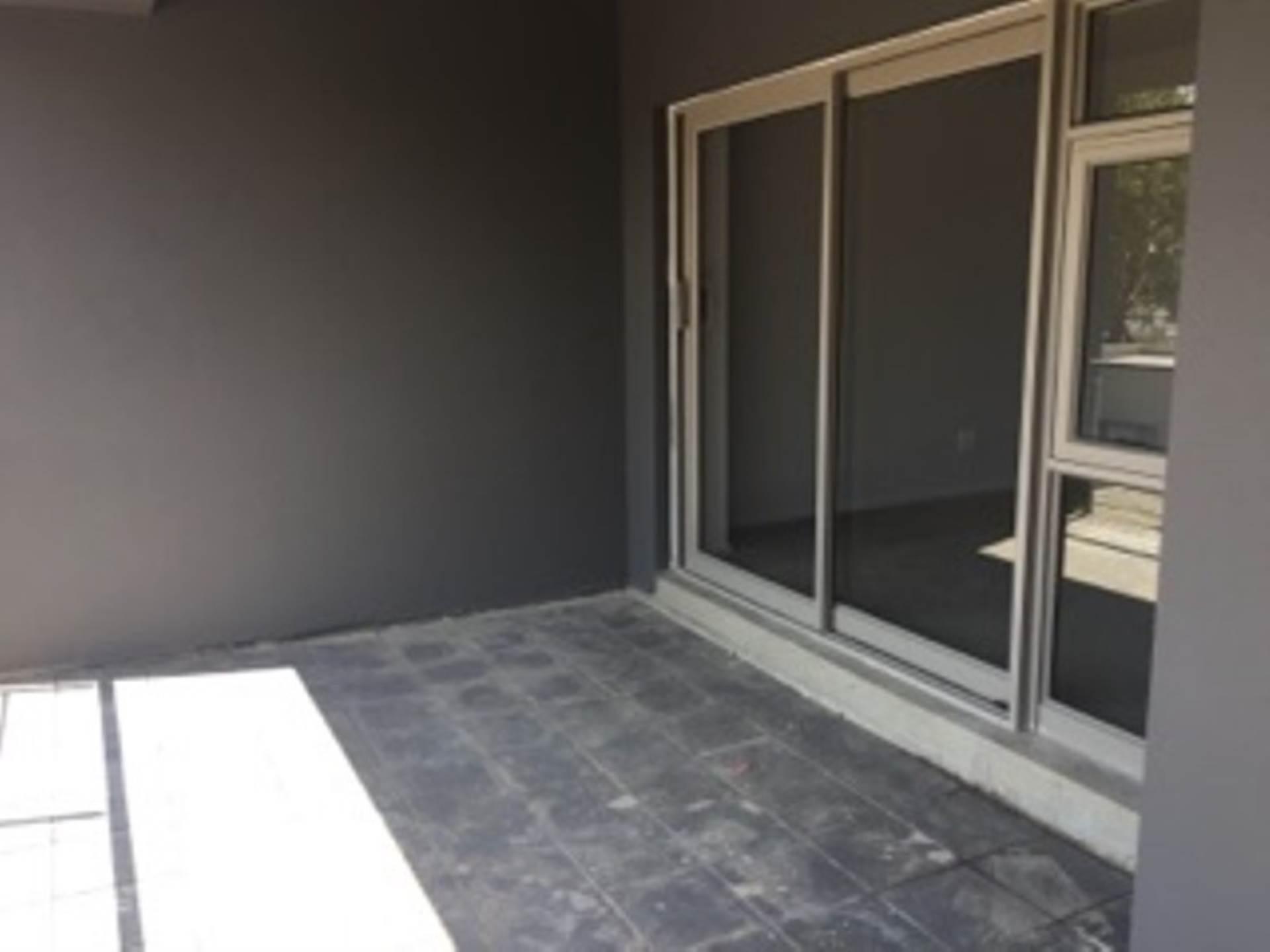 3 BedroomApartment To Rent In Oaklands