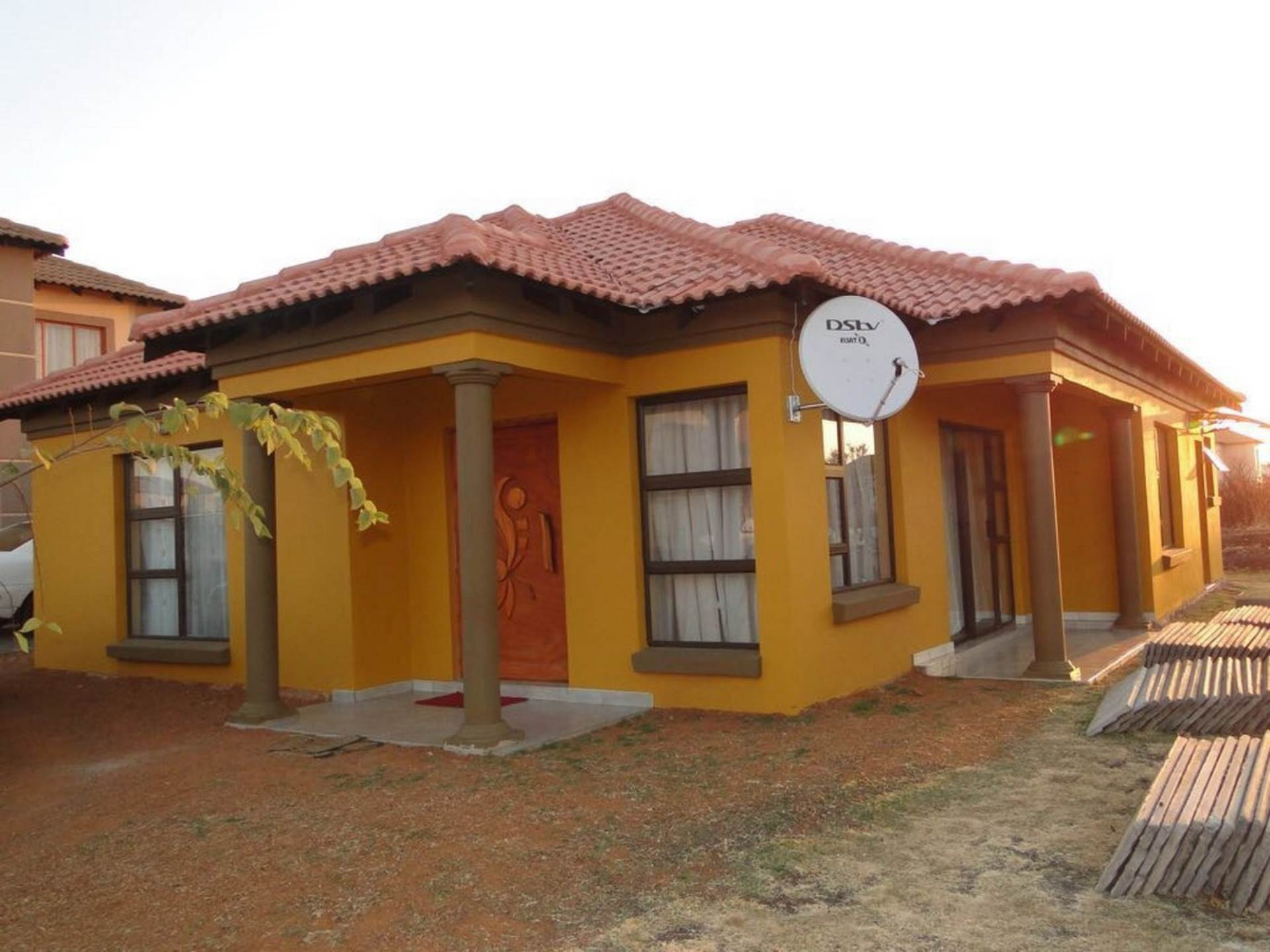 3 BedroomHouse For Sale In Rosslyn