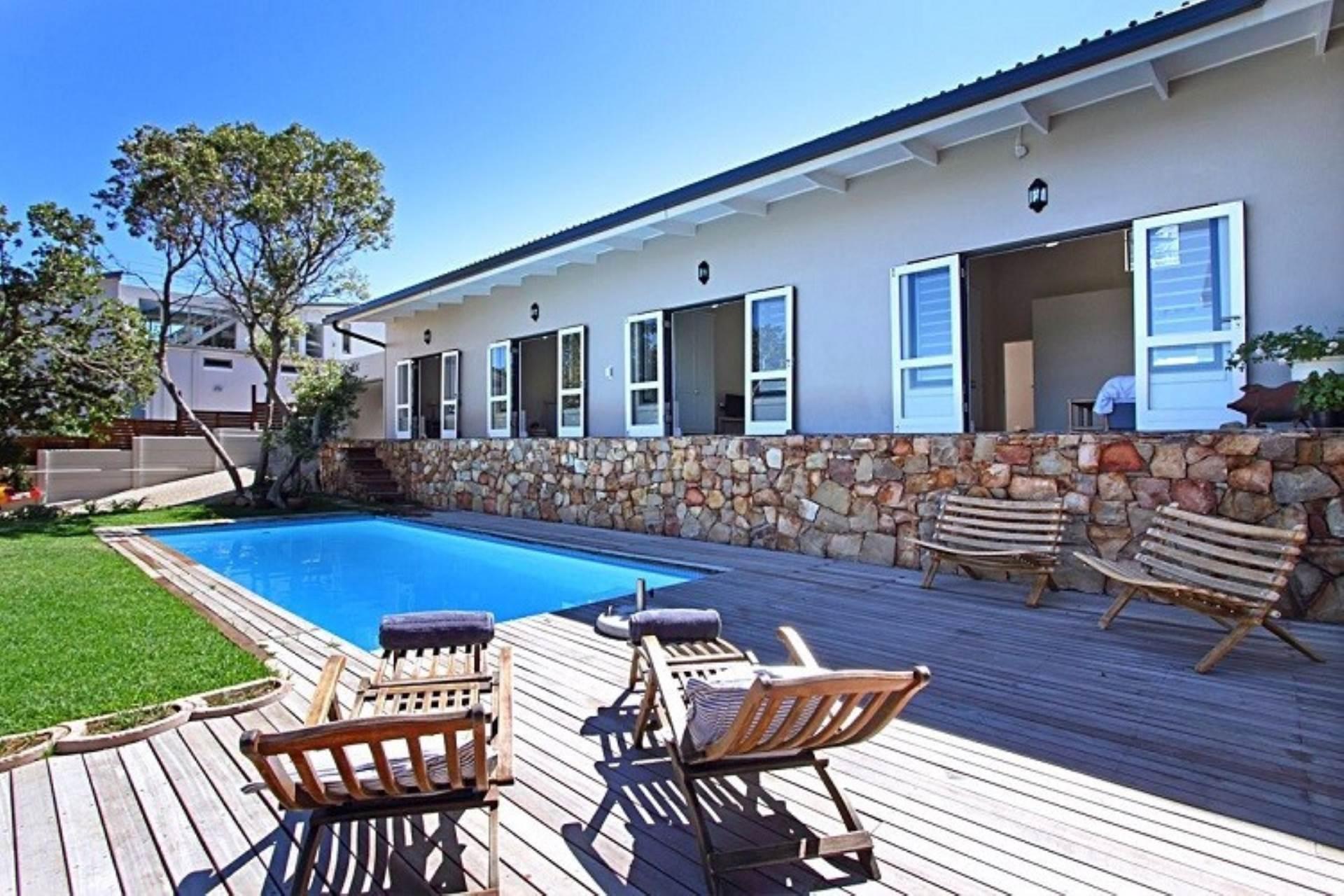 Llandudno property to rent. Ref No: 13534806. Picture no 2