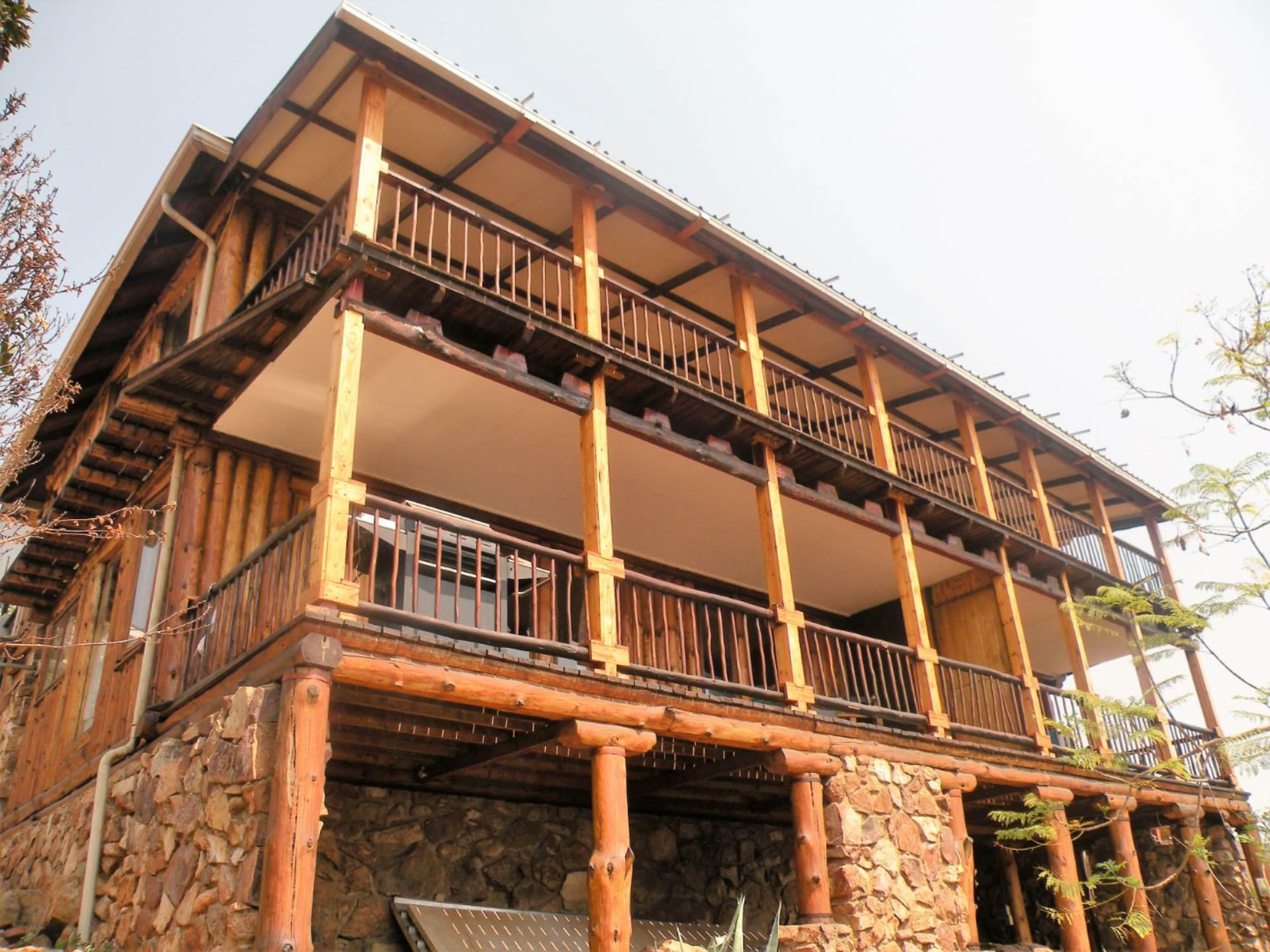 5 BedroomHouse For Sale In Meerhof