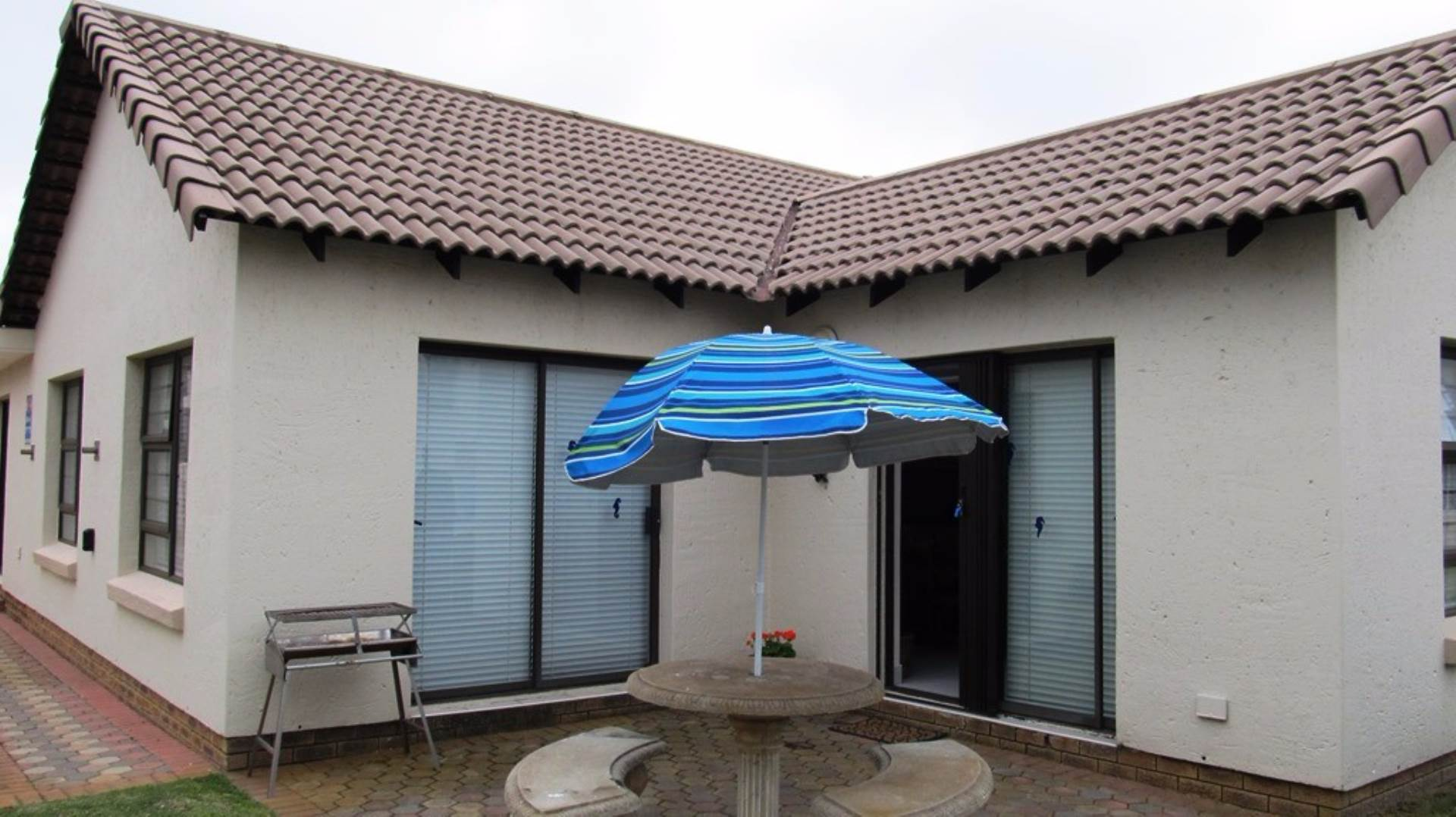 1 BedroomCluster To Rent In Mossel Bay Central