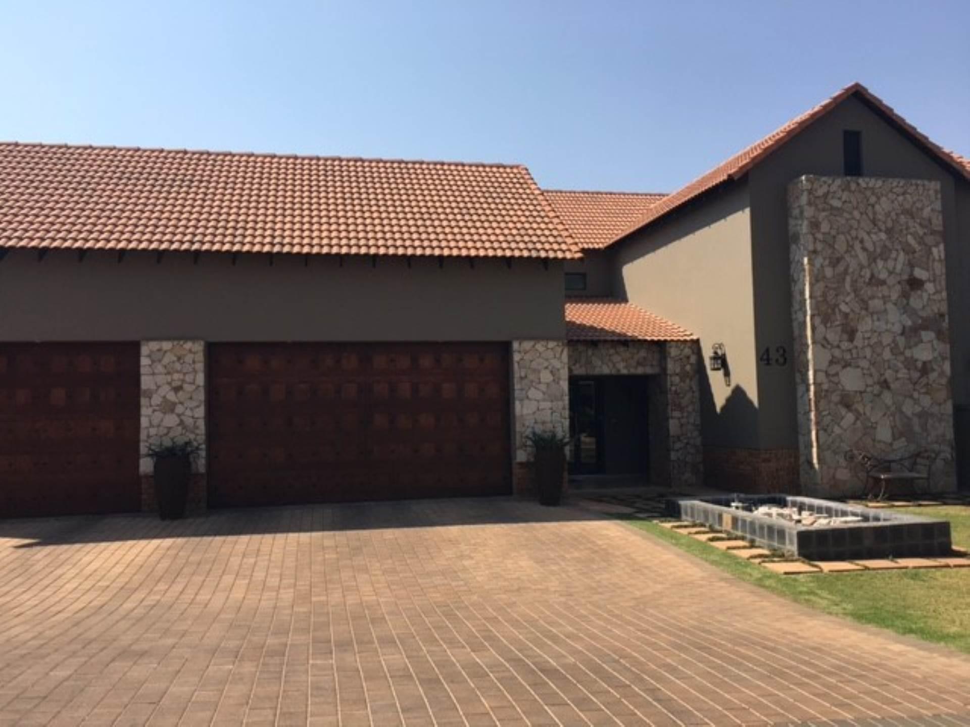 4 BedroomHouse For Sale In Midlands Estate