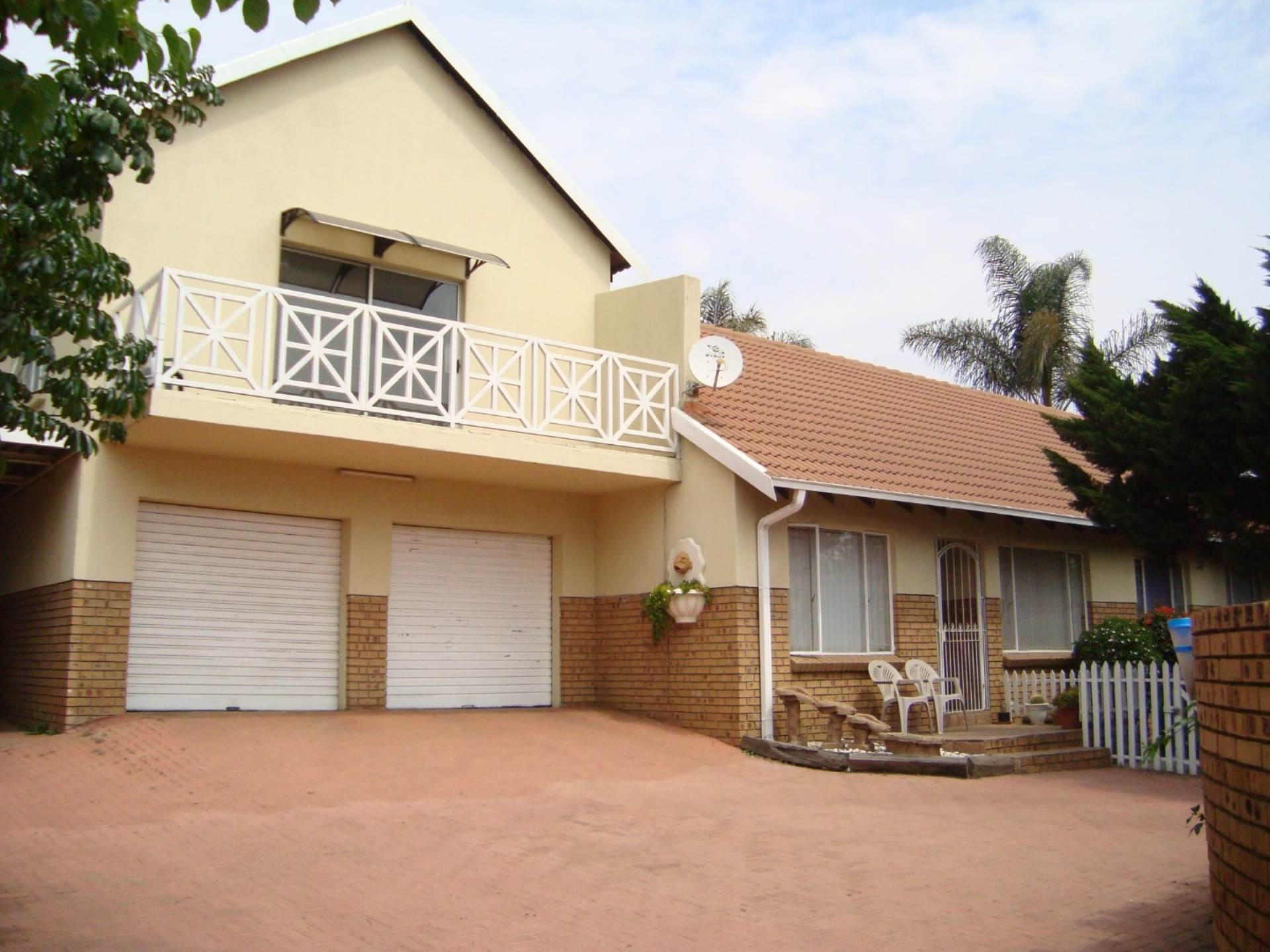 4 BedroomHouse For Sale In Die Heuwel