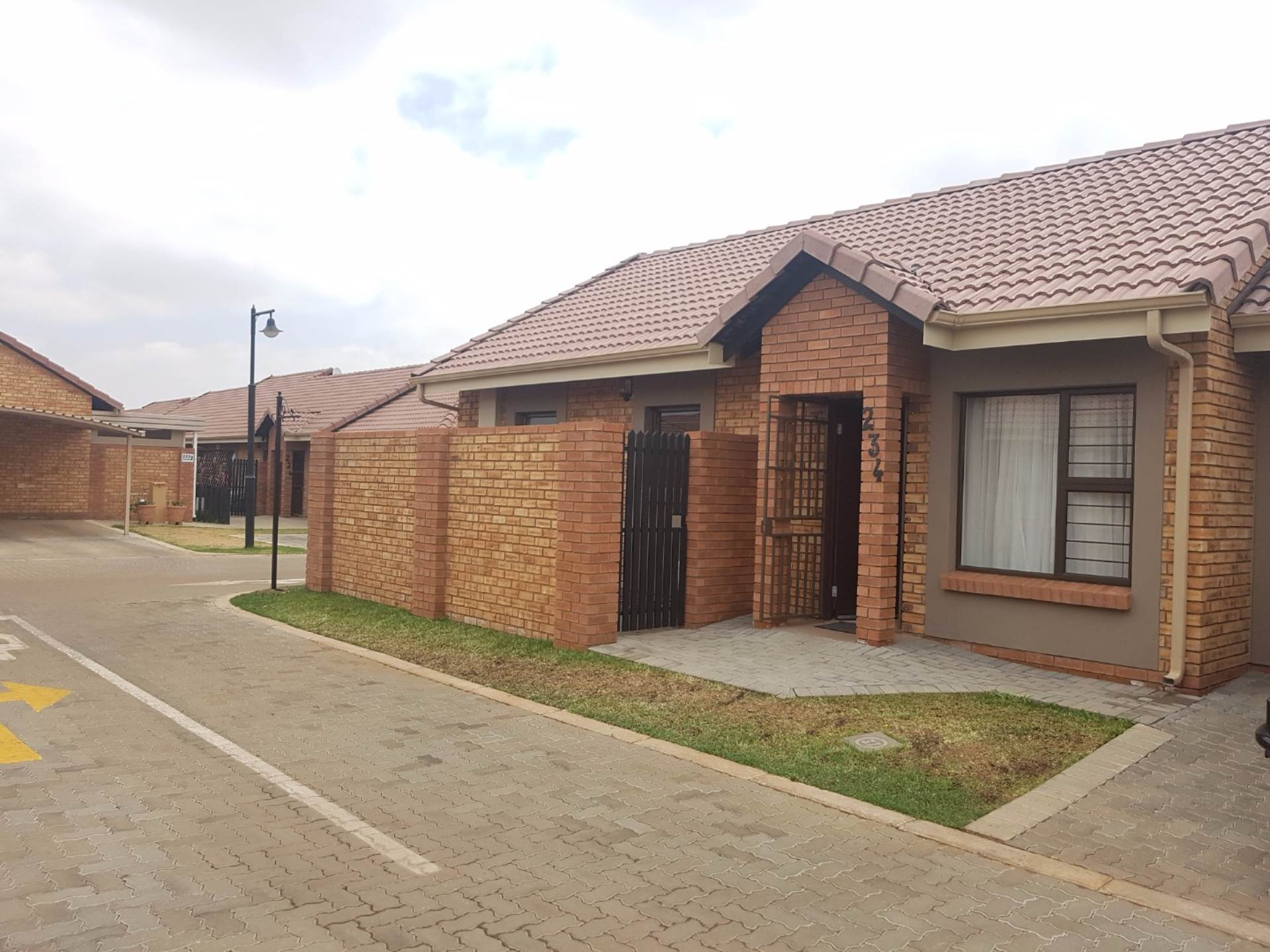 2 BedroomTownhouse For Sale In Brentwood Park