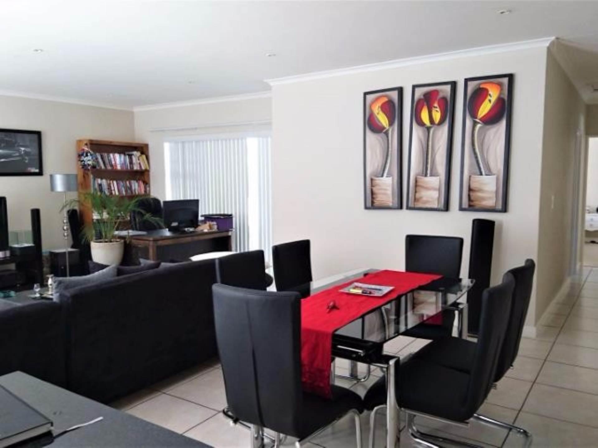 4 BedroomHouse For Sale In Pinehurst