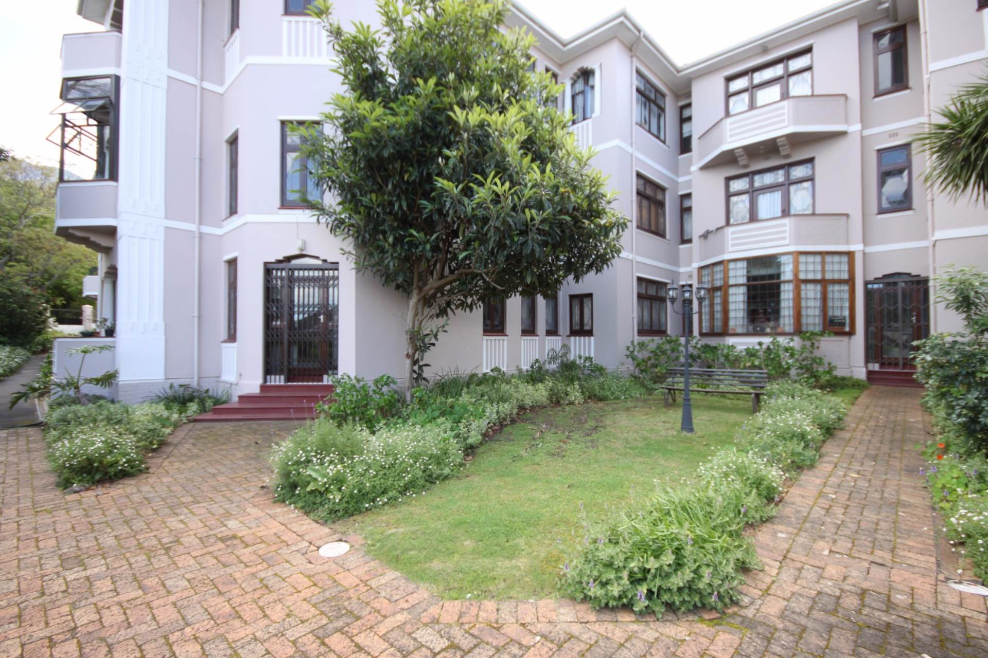 Rondebosch property for sale. Ref No: 13536060. Picture no 4