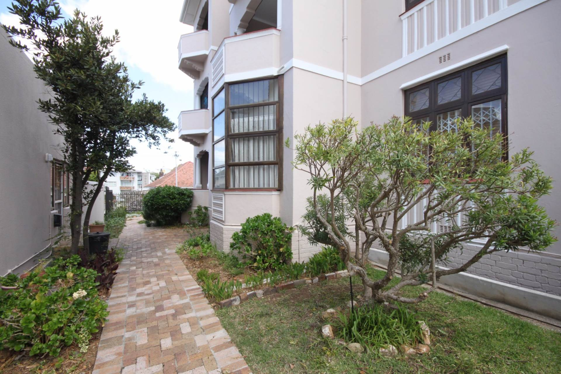 Rondebosch property for sale. Ref No: 13536060. Picture no 2
