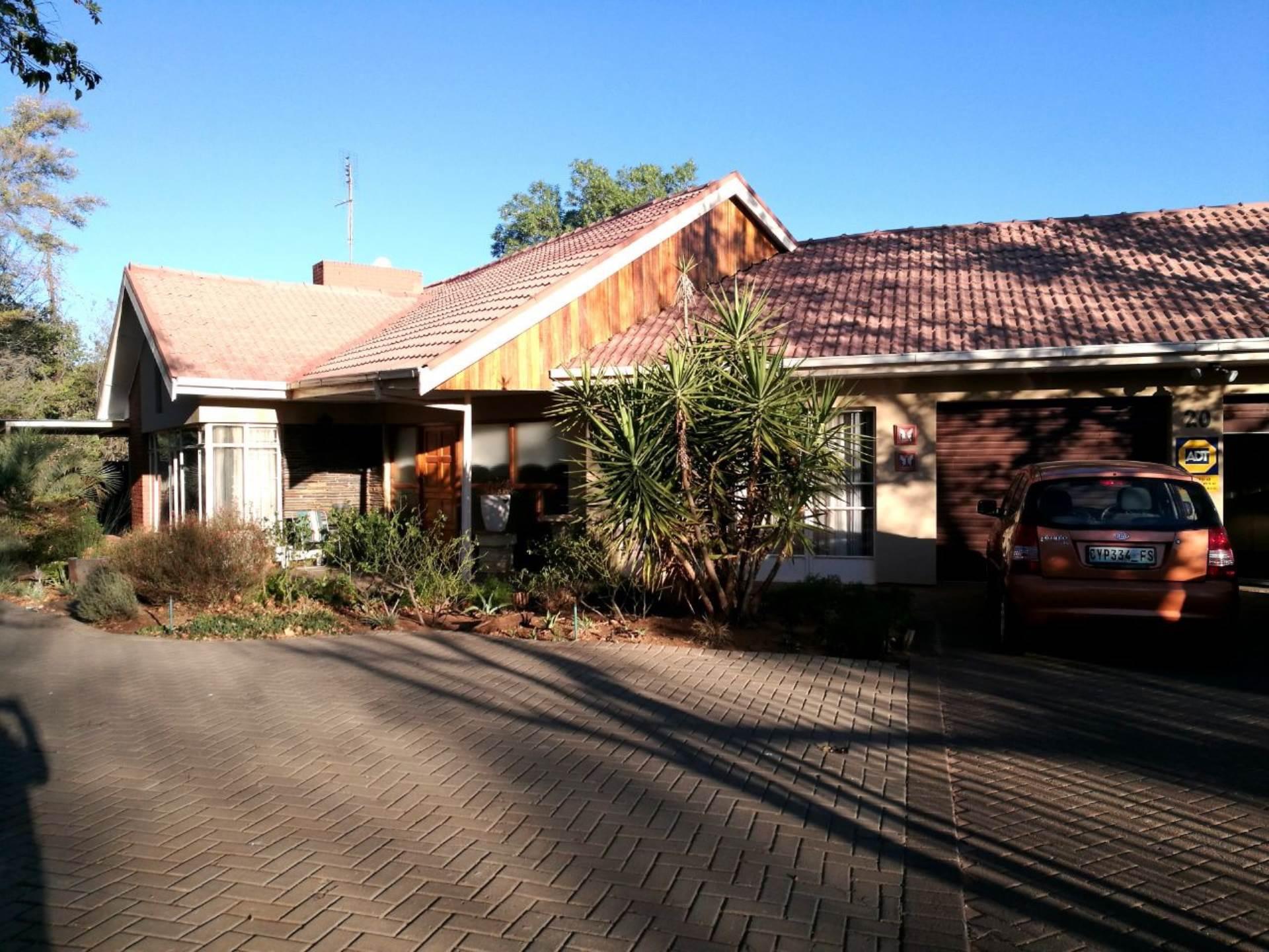 5 BedroomHouse For Sale In Universitas