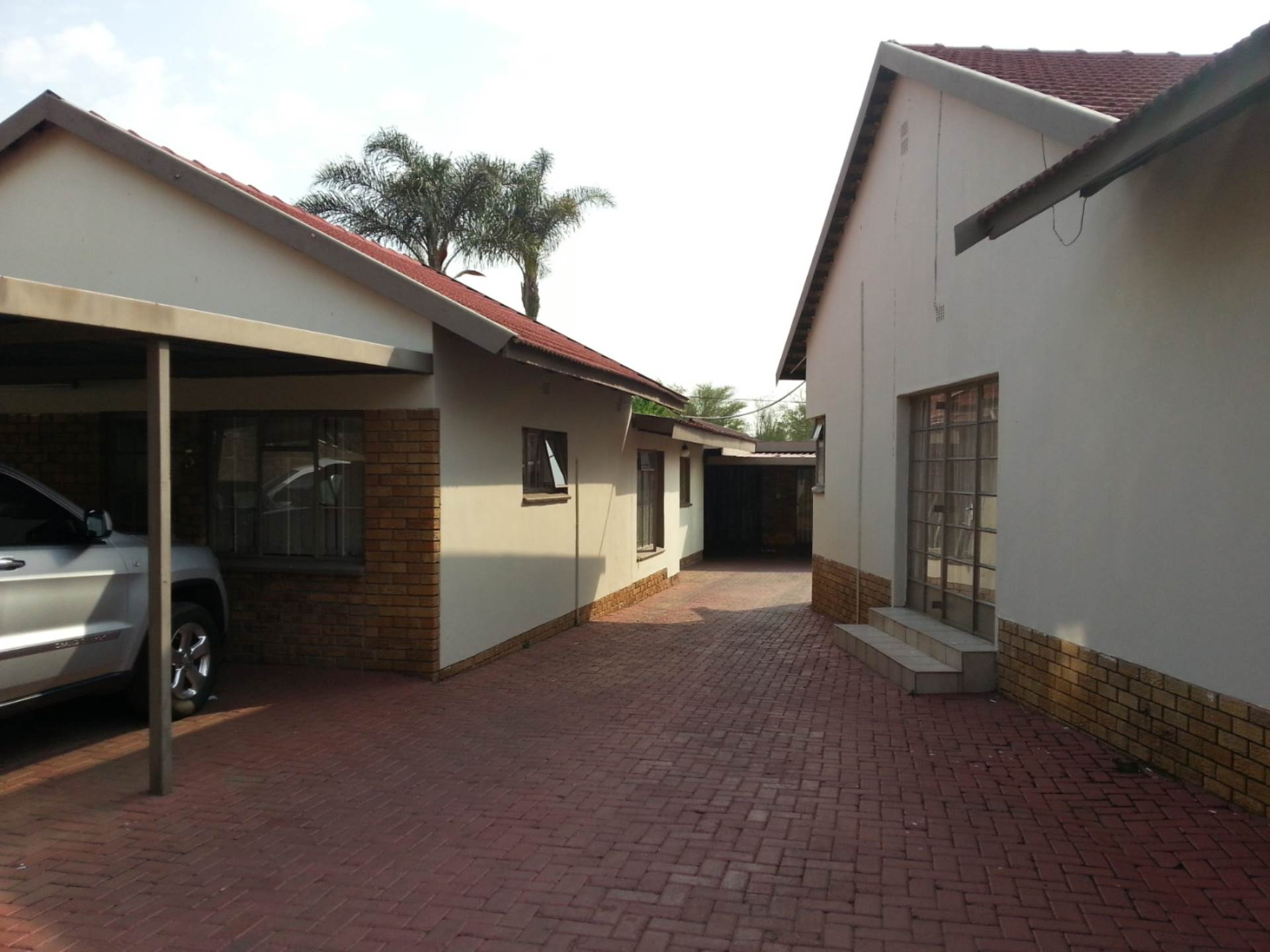 9 BedroomHouse To Rent In Witbank Ext 10