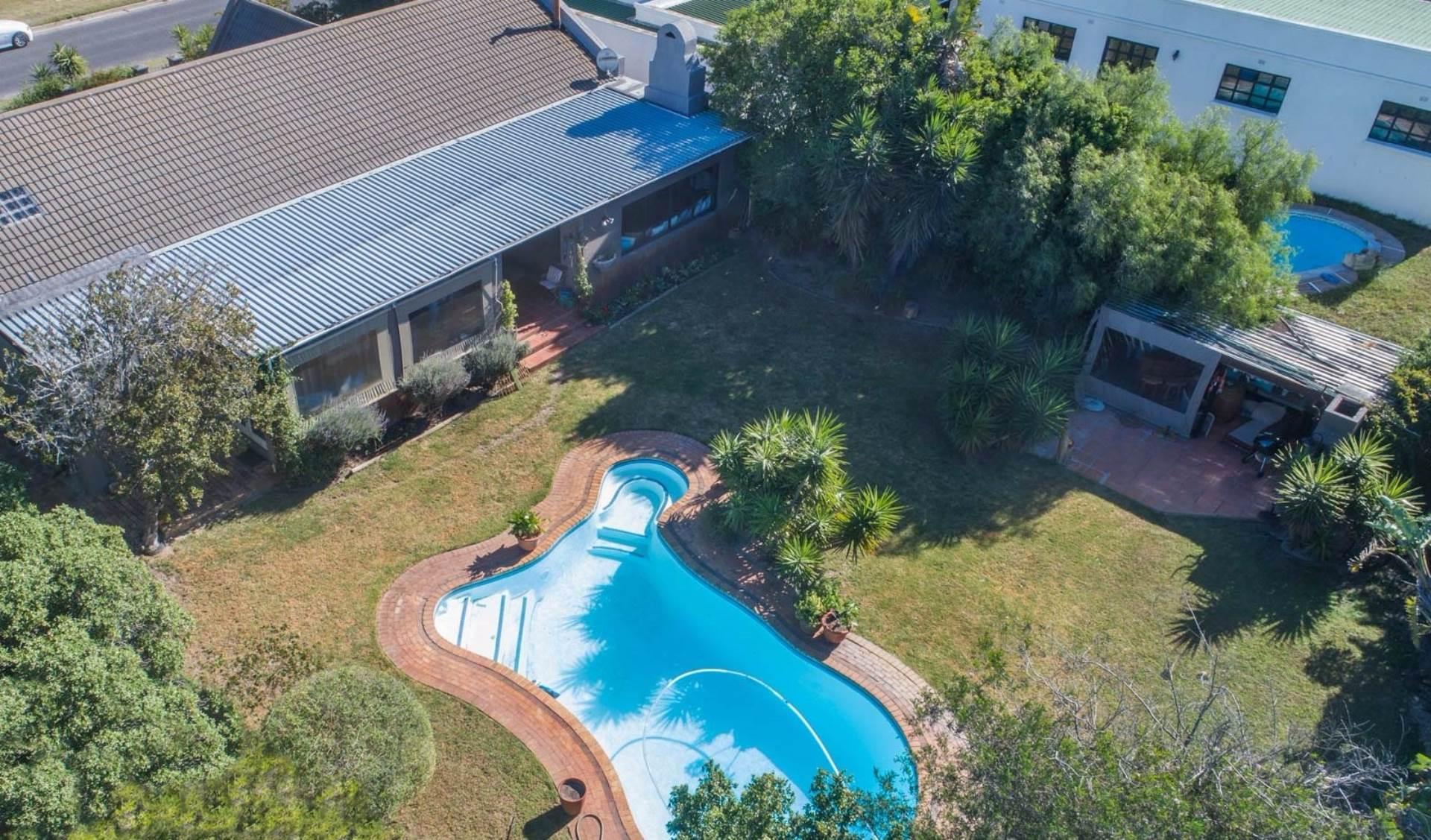 4 BedroomHouse For Sale In Flamingo Vlei