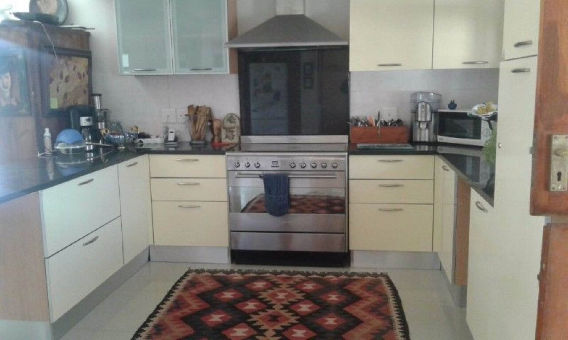Sea Point property to rent. Ref No: 13536174. Picture no 8