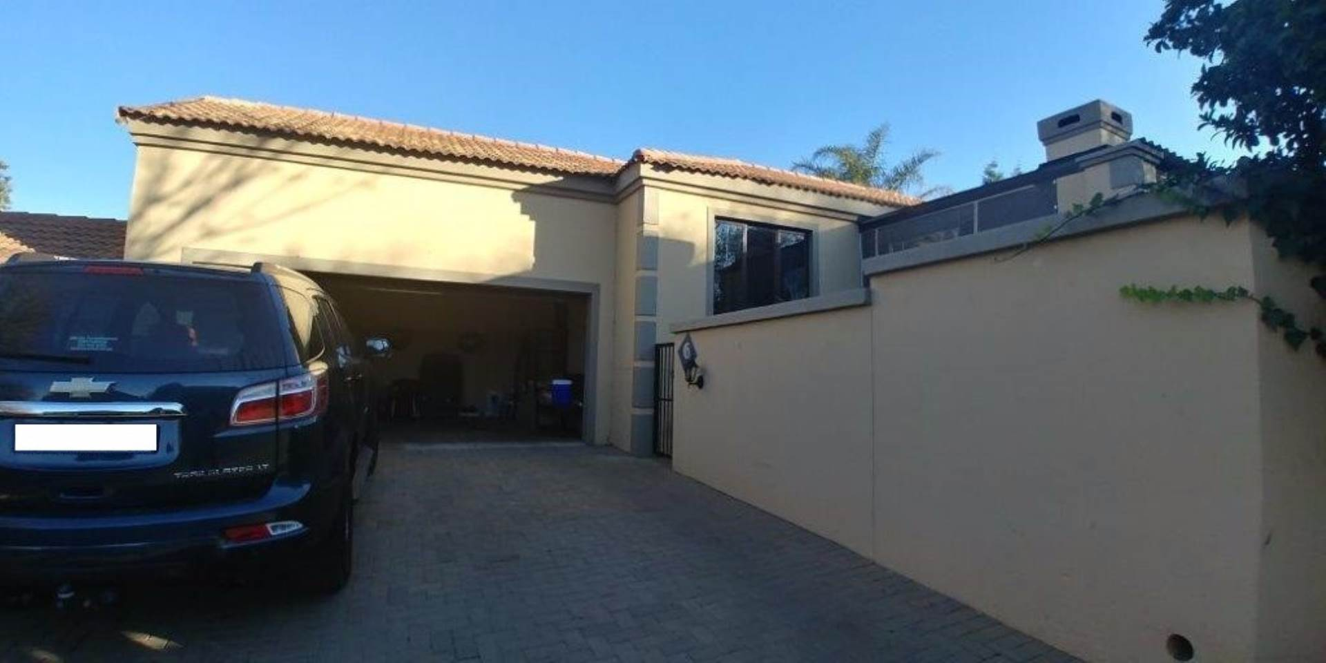 3 BedroomTownhouse To Rent In Homes Haven
