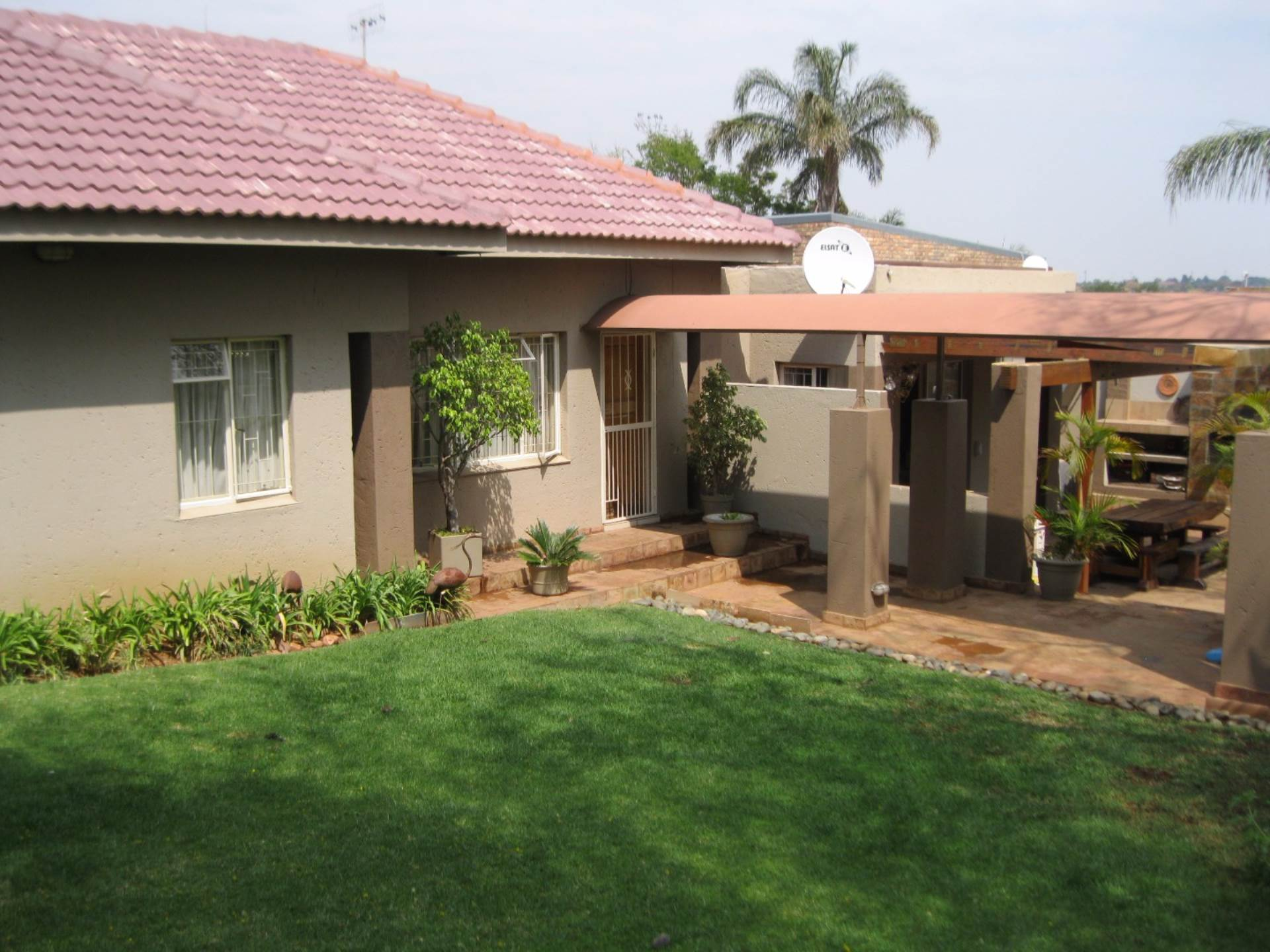 Pretoria, Erasmuskloof Ext 3 Property  | Houses For Sale Erasmuskloof Ext 3, ERASMUSKLOOF Ext 3, Cluster 4 bedrooms property for sale Price:1,980,000