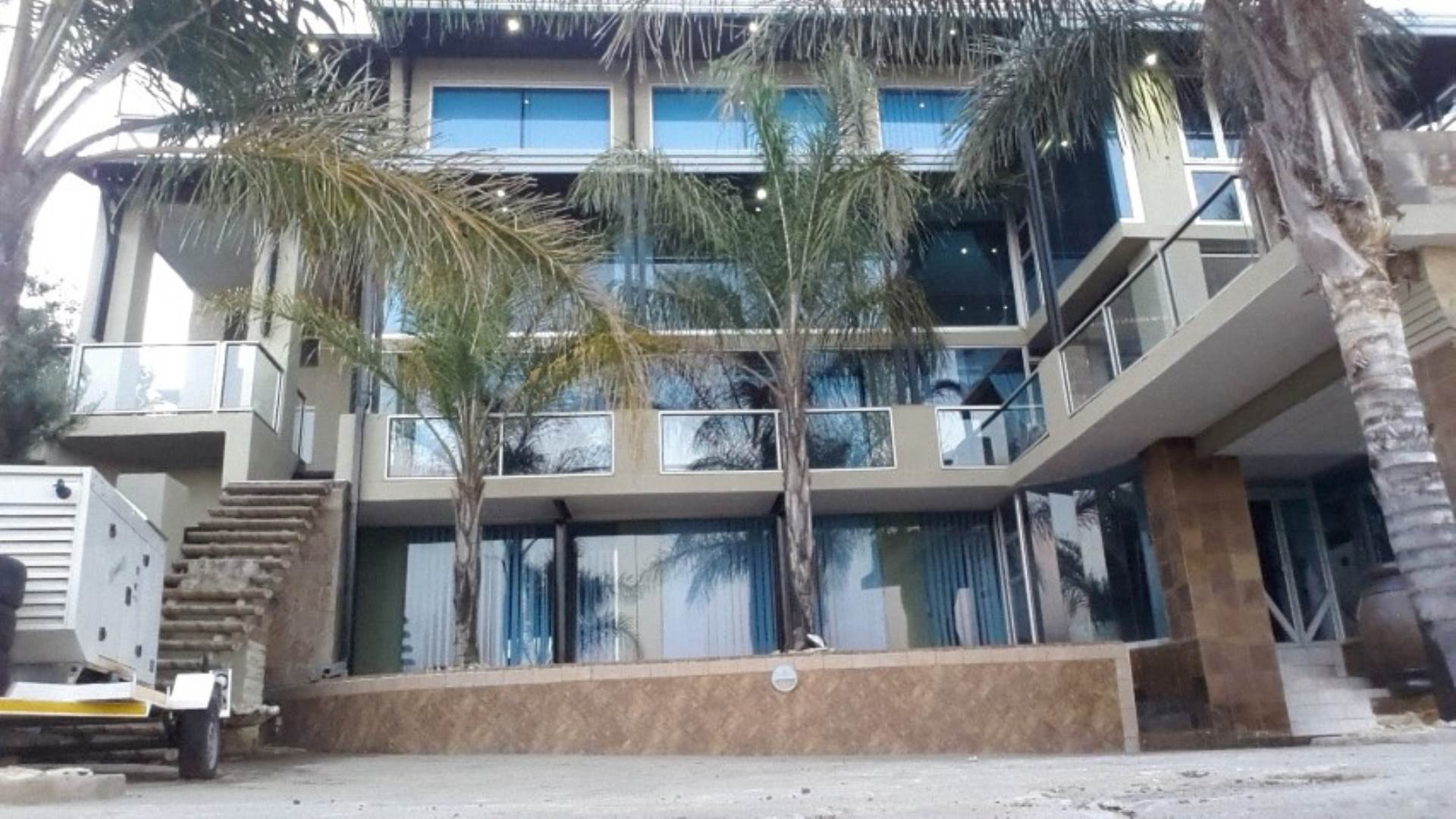 9 BedroomHouse For Sale In Baysvalley
