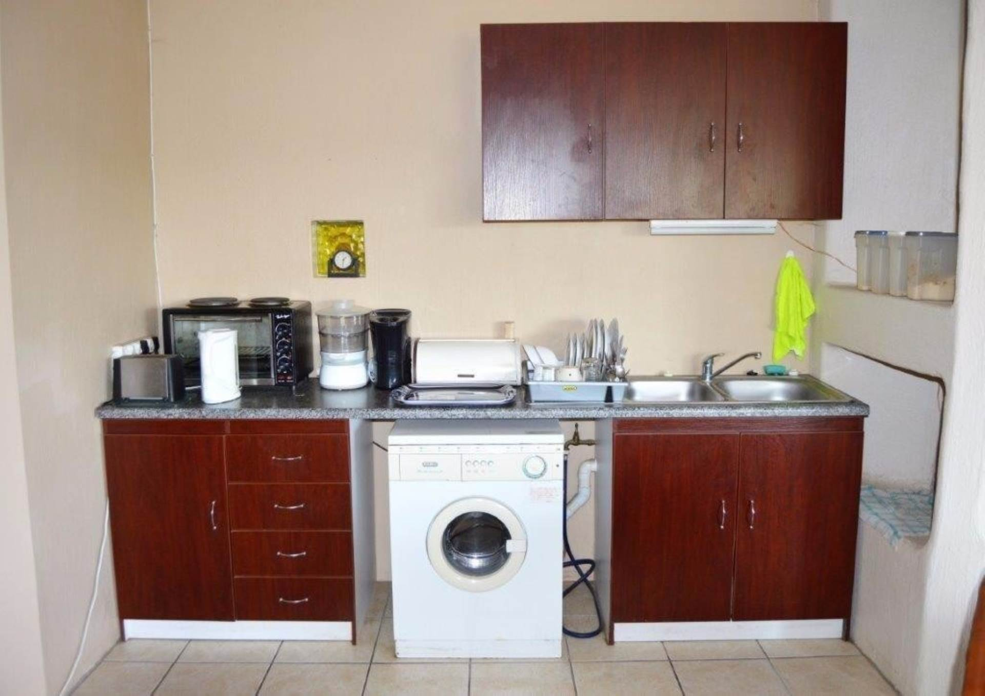 Waterkloof Glen property for sale. Ref No: 13536490. Picture no 6