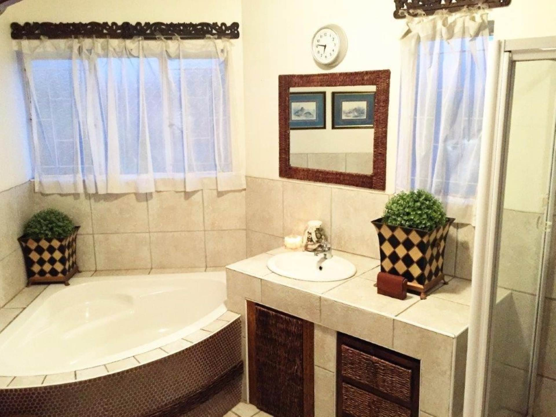 Waterkloof Glen property for sale. Ref No: 13536490. Picture no 20
