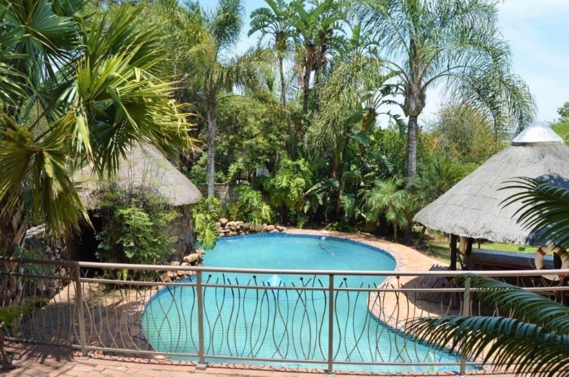 Waterkloof Glen property for sale. Ref No: 13536490. Picture no 10