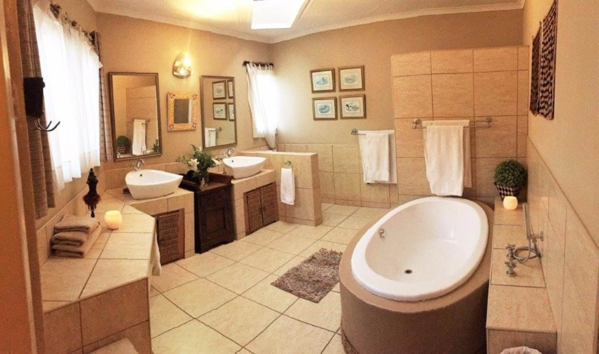 Waterkloof Glen property for sale. Ref No: 13536490. Picture no 4