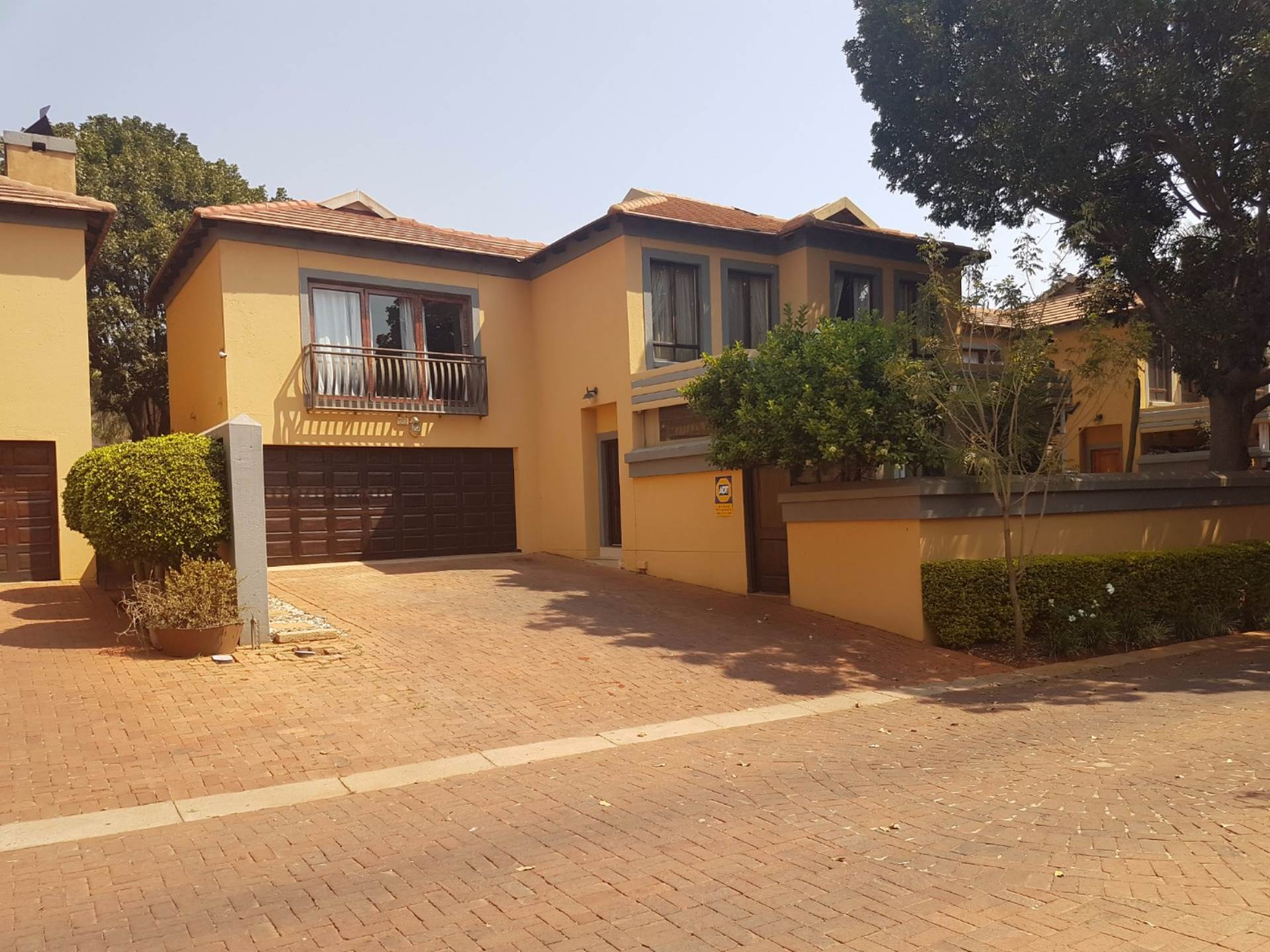 2 BedroomTownhouse For Sale In Akasia