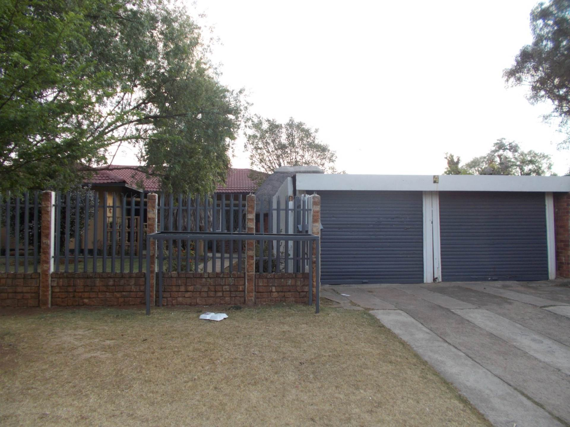 3 BedroomHouse For Sale In Strubenvale