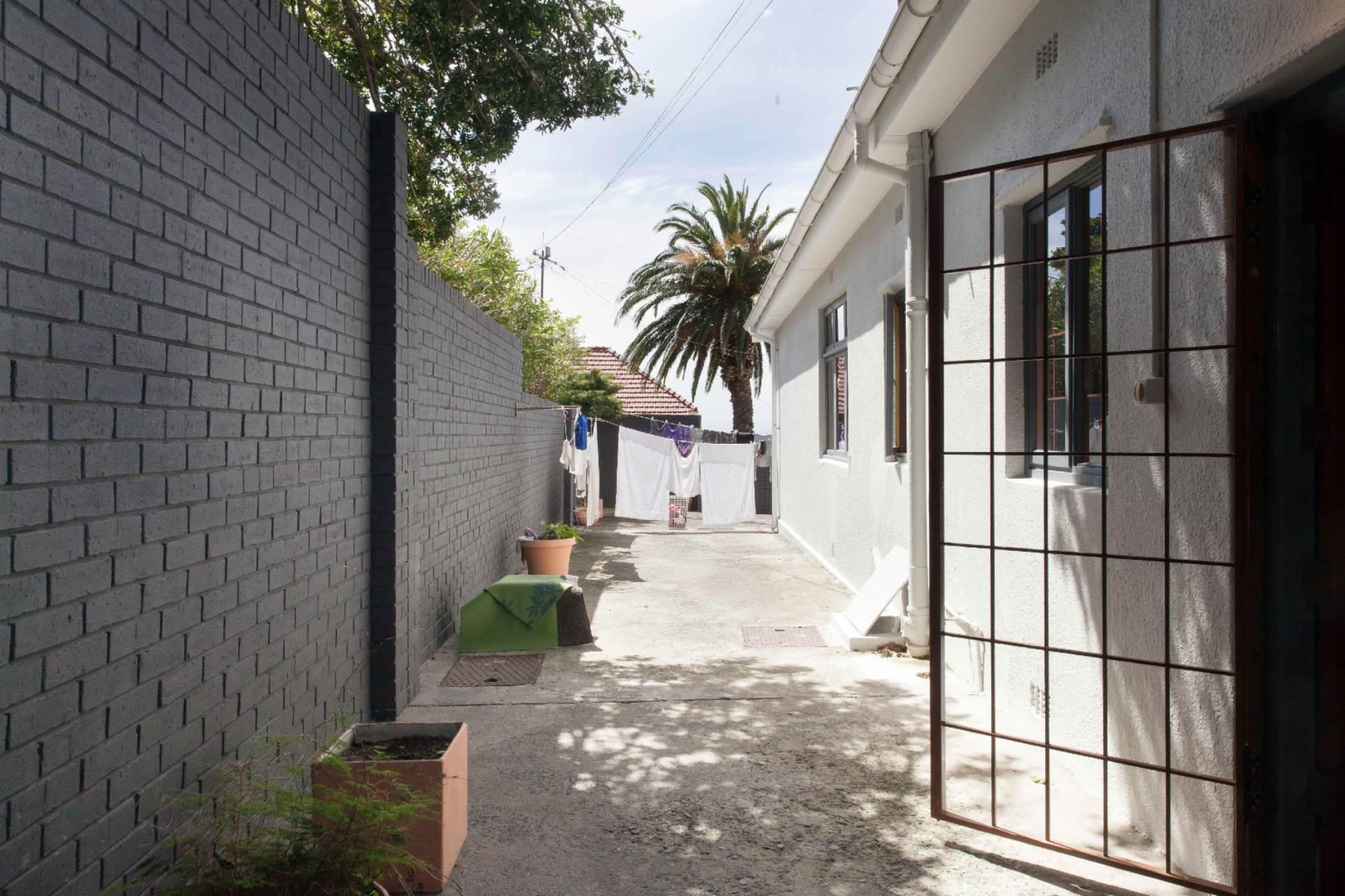 Oranjezicht property for sale. Ref No: 13537515. Picture no 12
