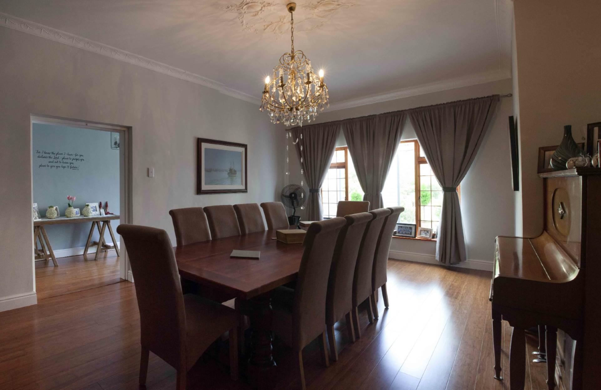 Oranjezicht property for sale. Ref No: 13537515. Picture no 3