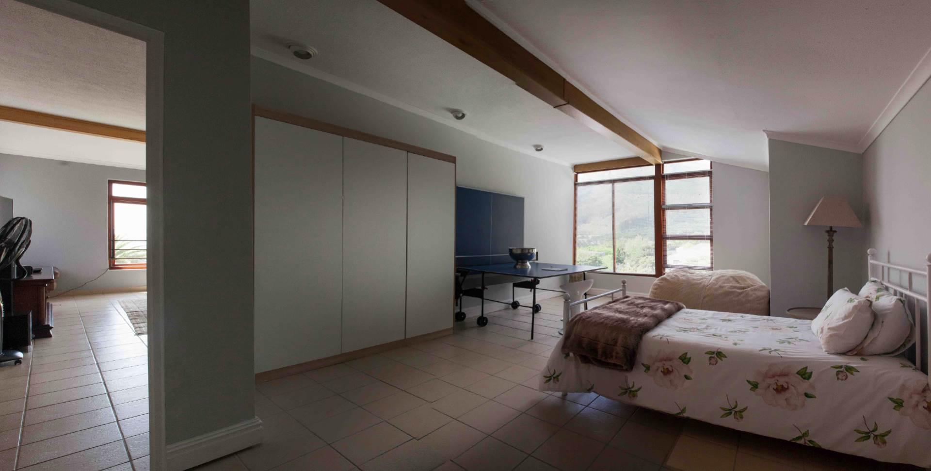 Oranjezicht property for sale. Ref No: 13537515. Picture no 6