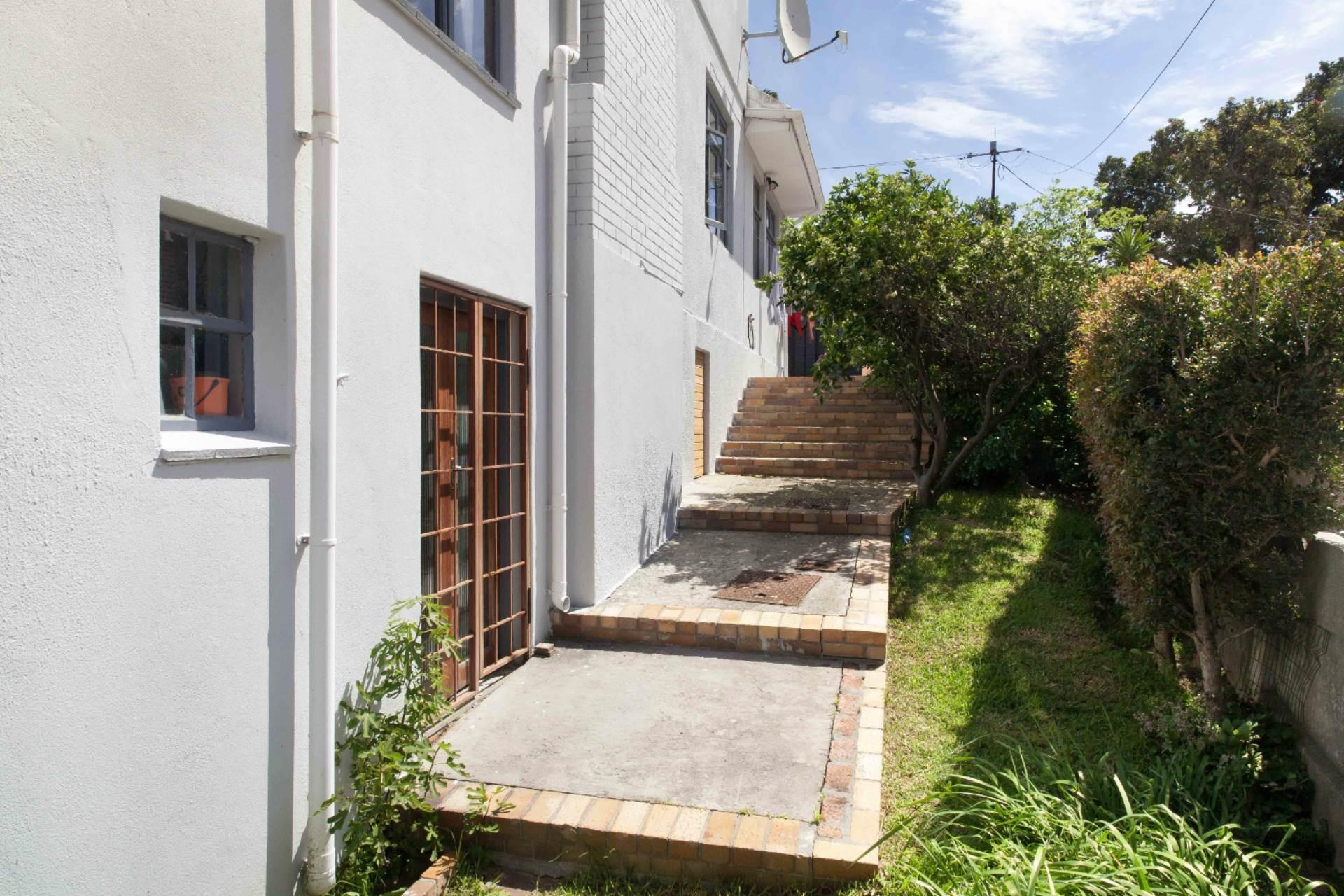 Oranjezicht property for sale. Ref No: 13537515. Picture no 14
